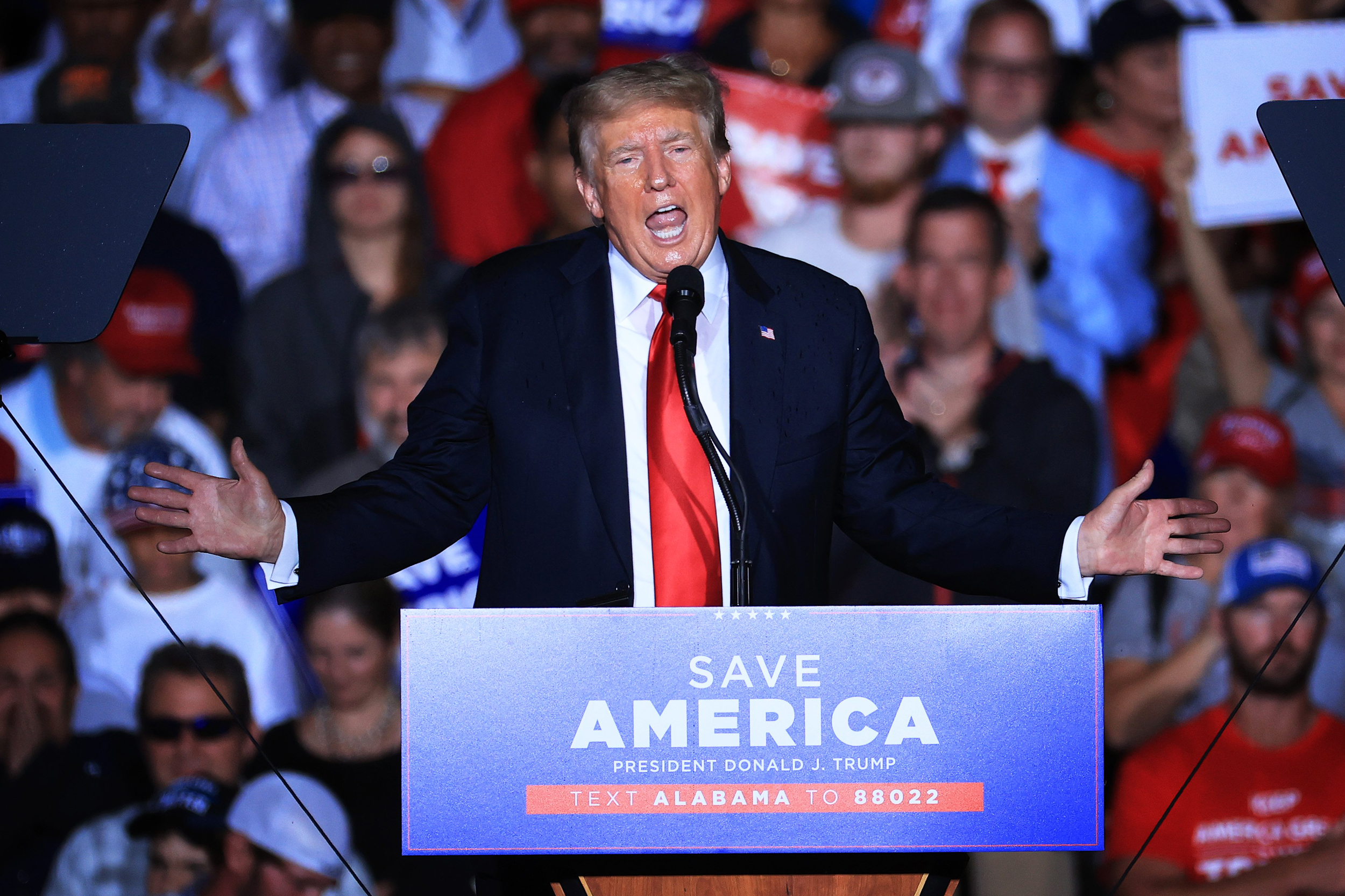 Trump Booed at Alabama Rally After Telling Supporters to Get Vaccinated