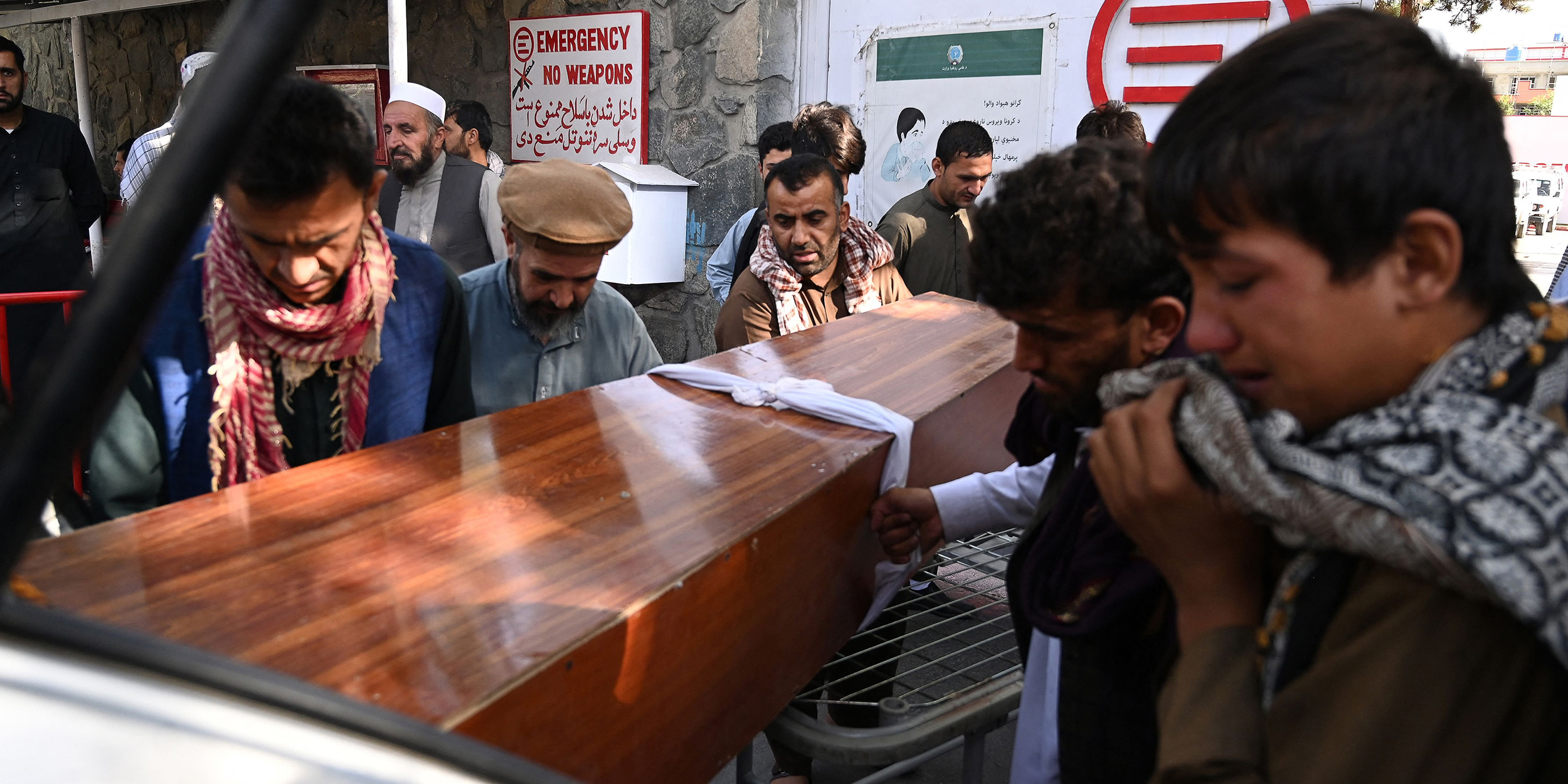 Race to evacuate resumes, day after more than 100 are killed in Kabul blast