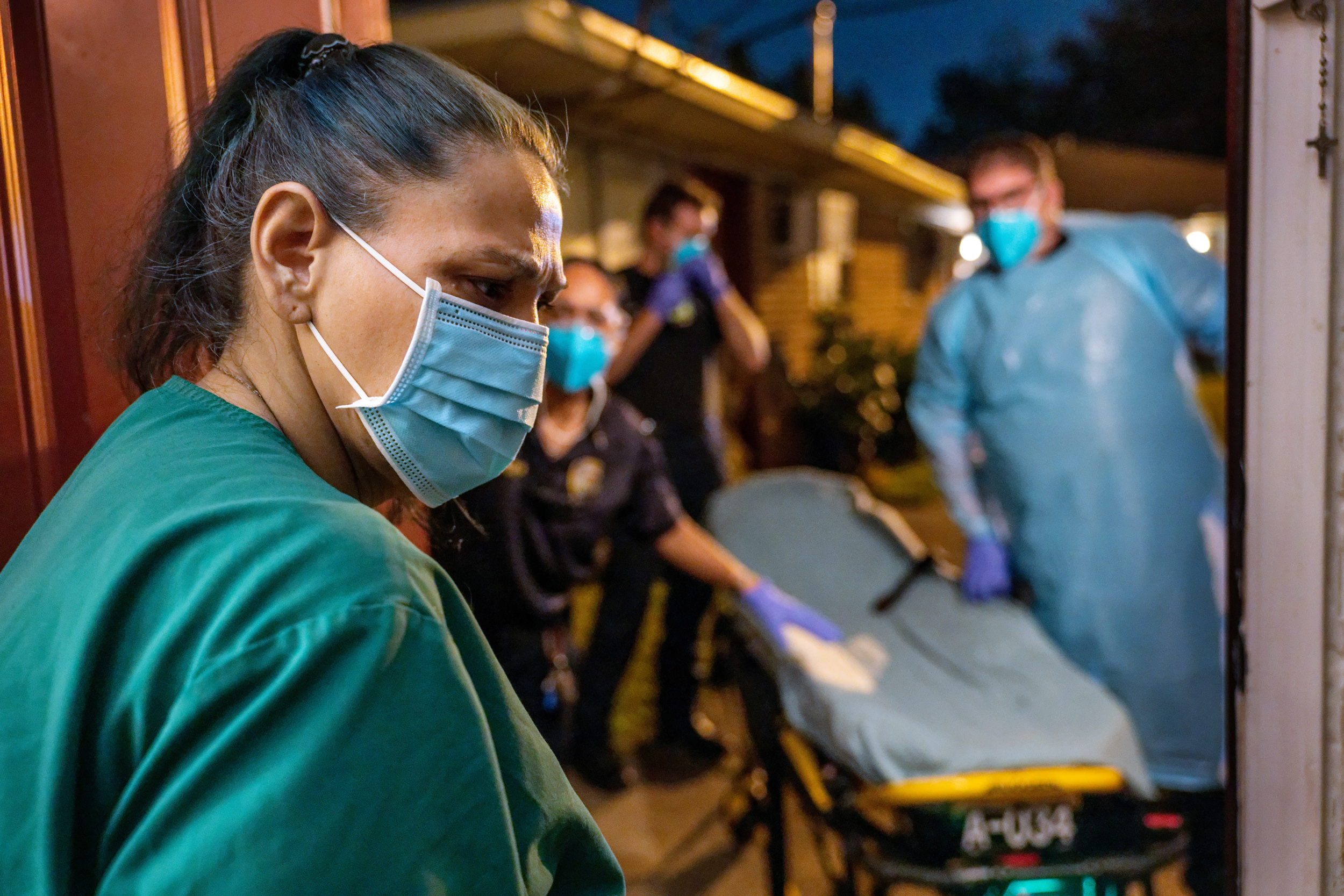 Covid-19 hospitalizations top 100,000 as delta variant surges