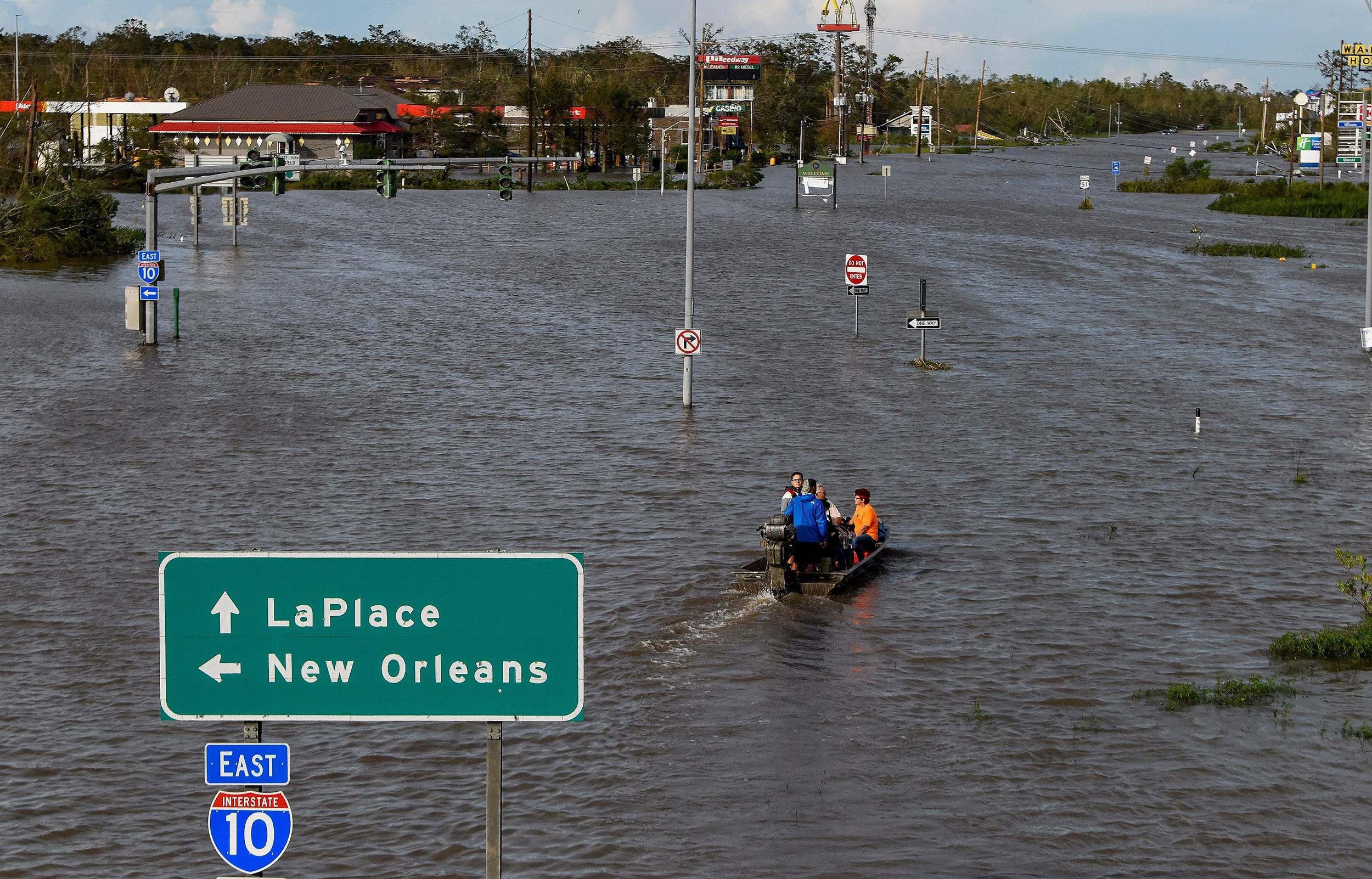 'Please help me': Trapped residents in LaPlace, Louisiana, plead for aid