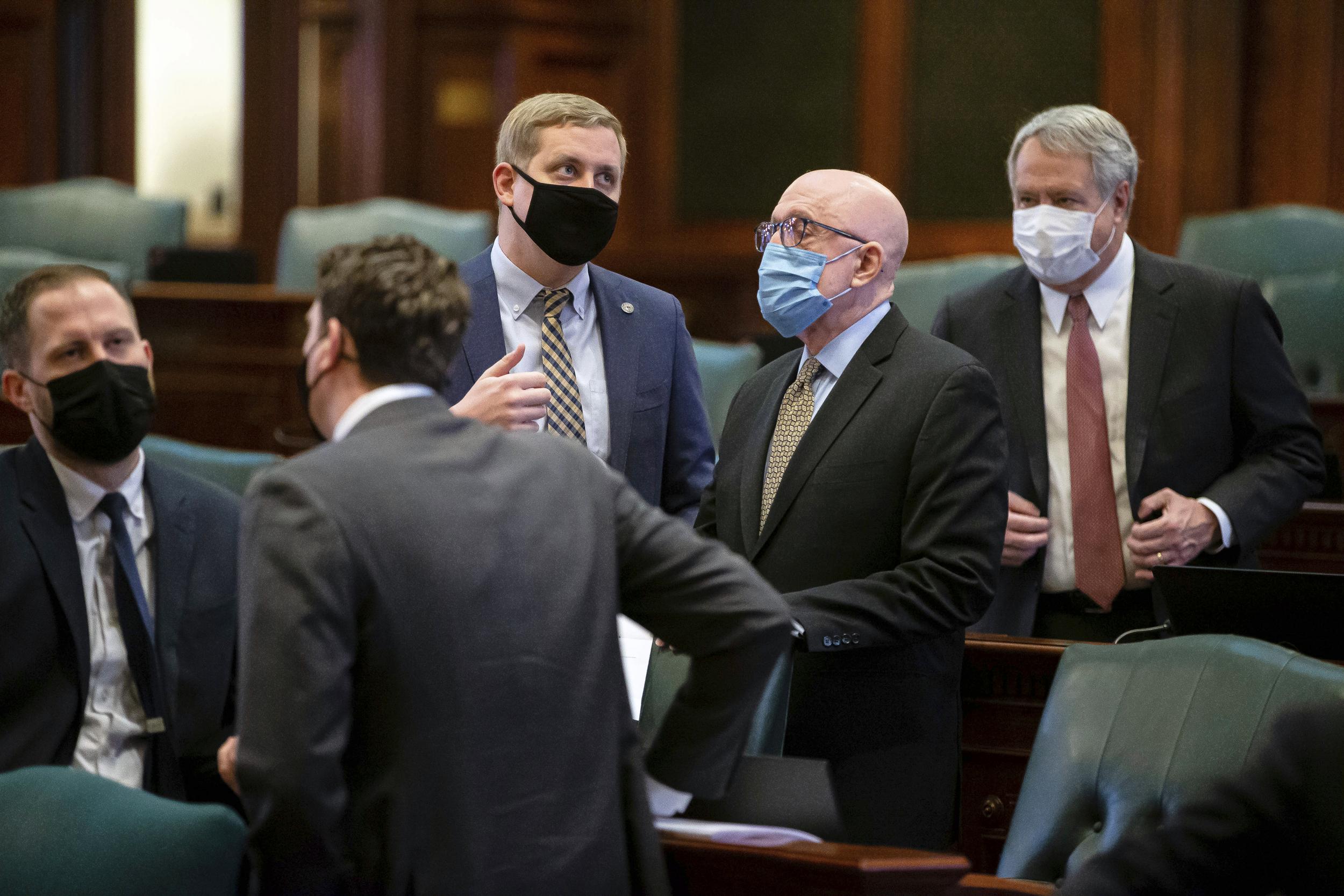 Illinois Democrats set to OK new legislative maps over criticism