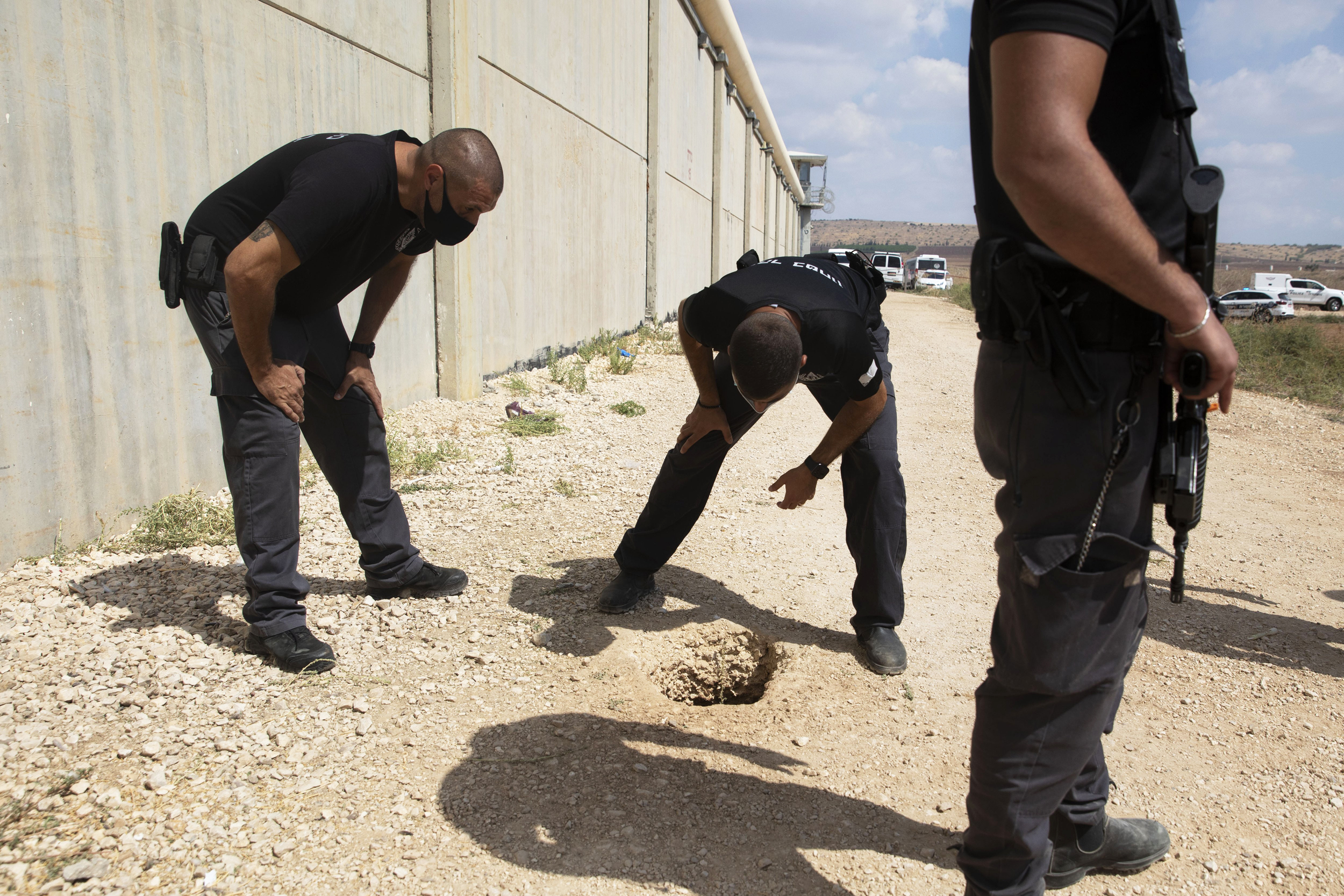 Israel captures last two Palestinian militants who broke out of high-security jail