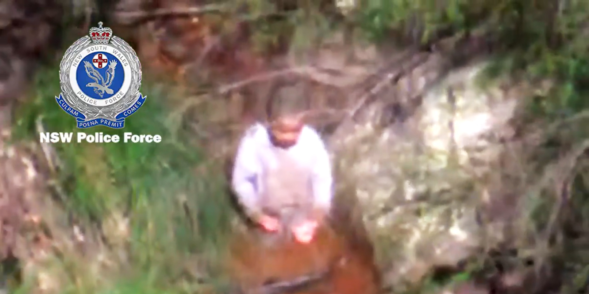 Video shows moment 3-year-old found alive after 3 days in Australian bush
