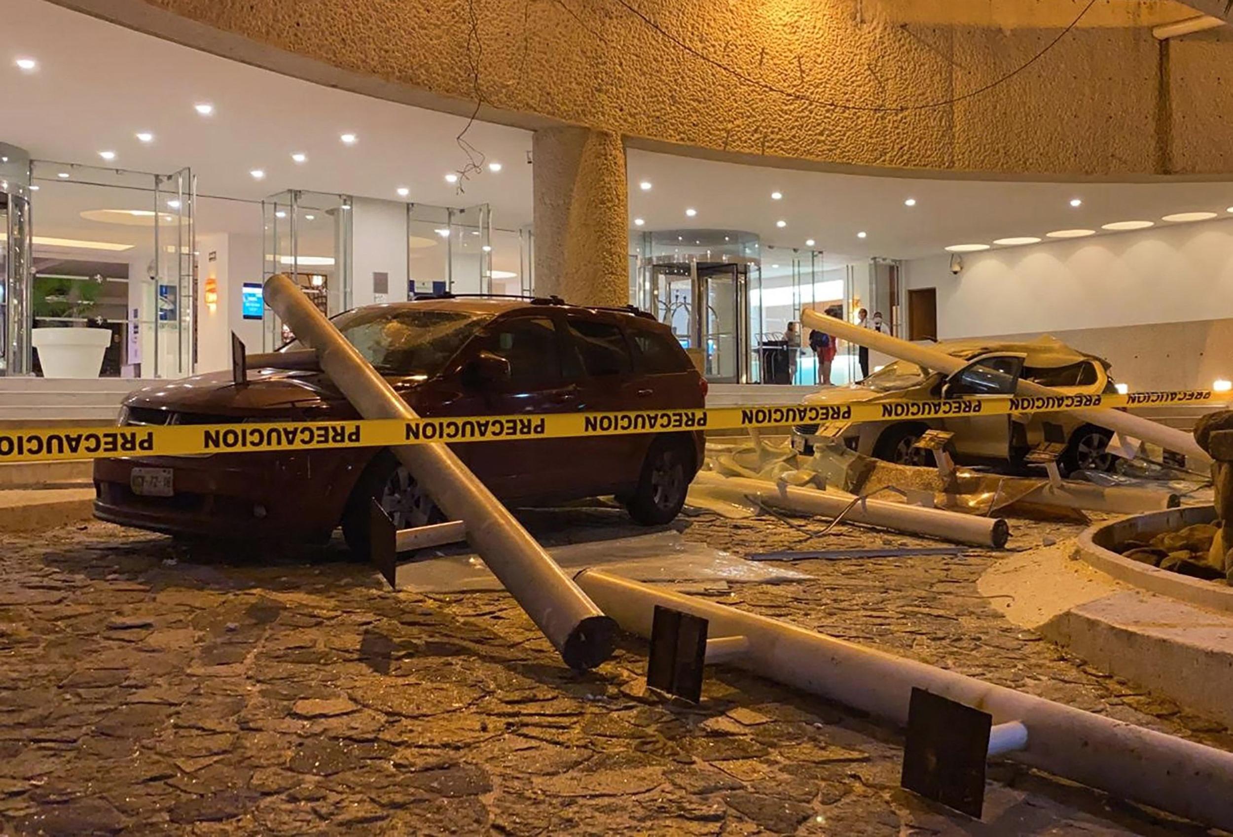 7.0-magnitude strikes in Mexico near Acapulco; 1 reported dead