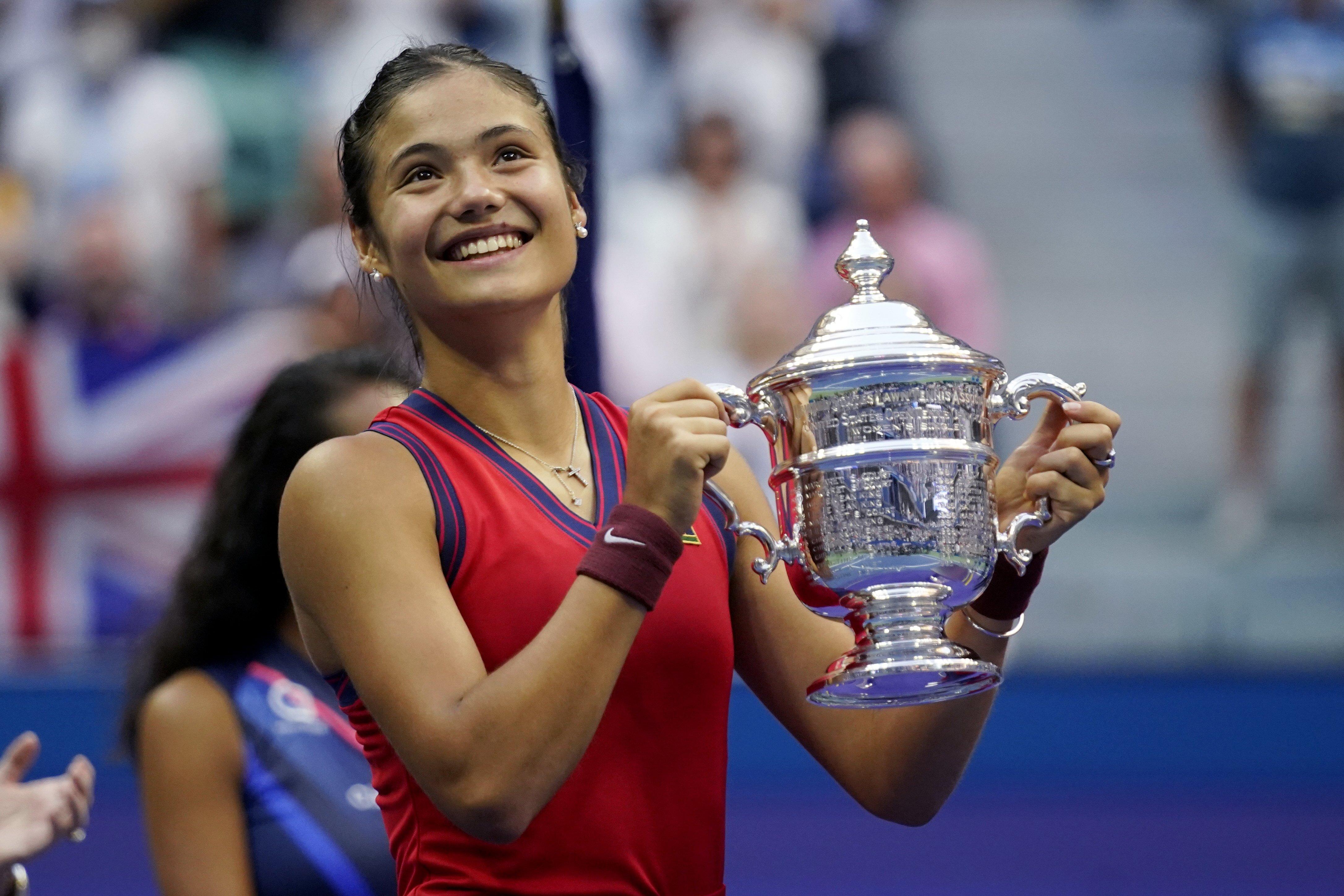 Britain's Emma Raducanu beats Leyla Fernandez in all-teen U.S. Open final