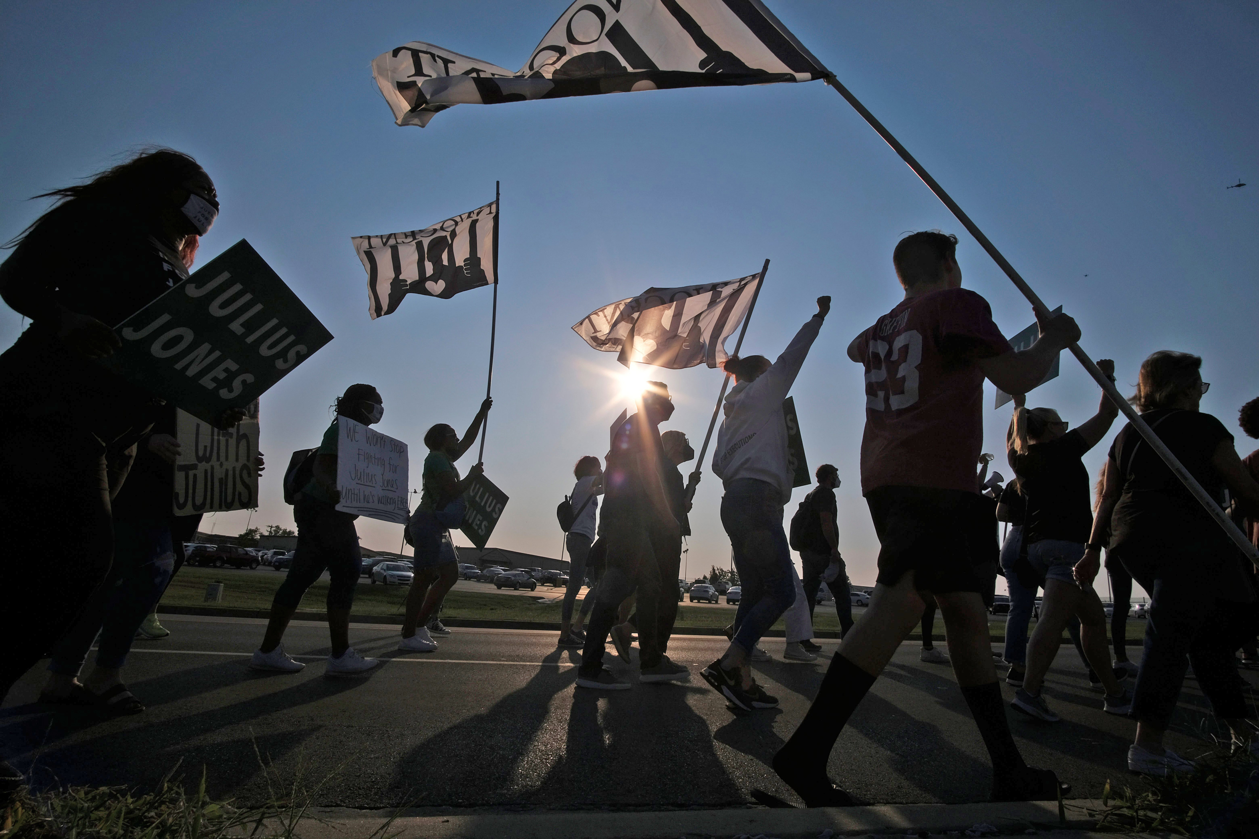 Julius Jones' death sentence in 1999 Oklahoma murder should be commuted, panel finds