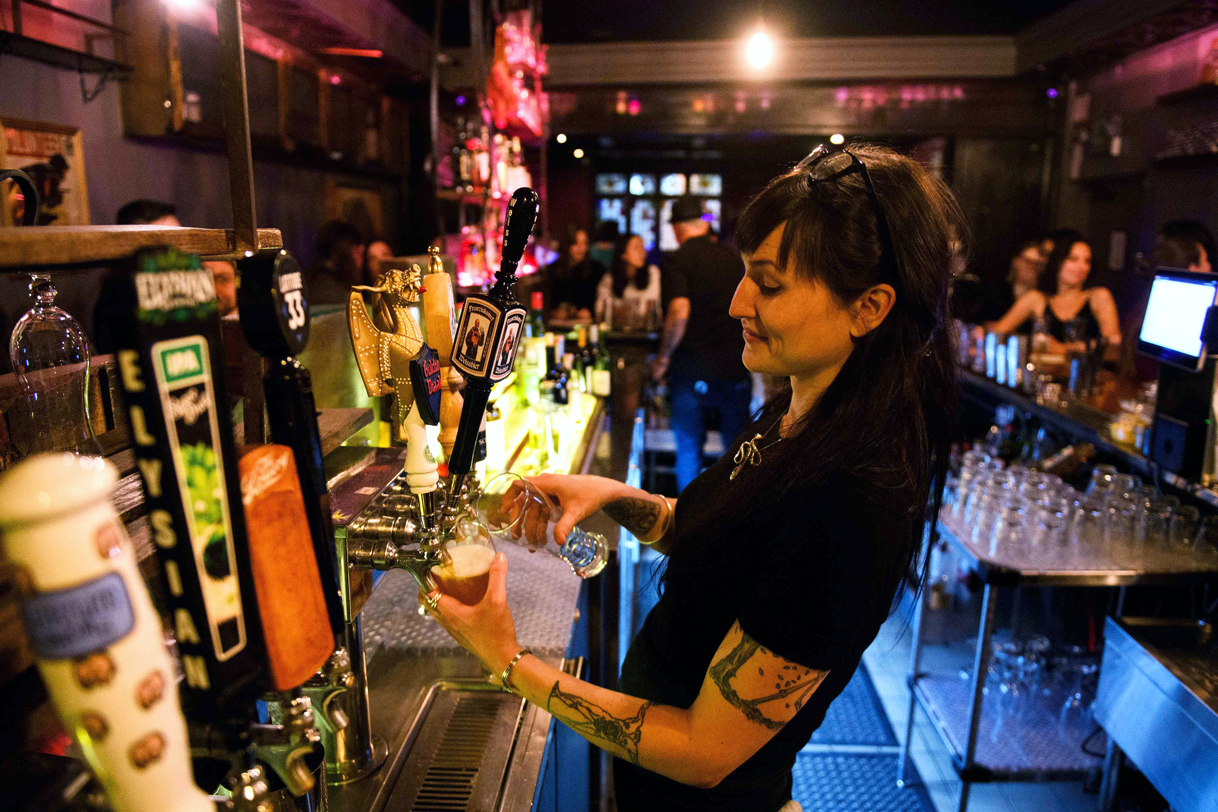 Los Angeles County to require vaccination proof at bars, large events