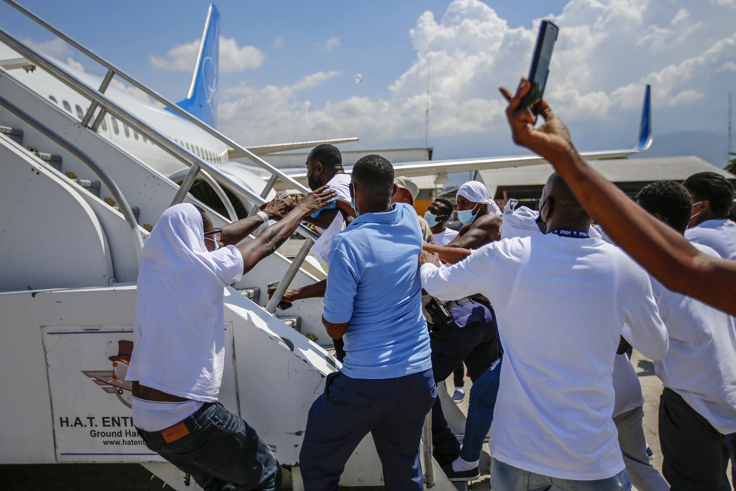 Haitian deportees assaulted U.S. pilots, injured three ICE officers