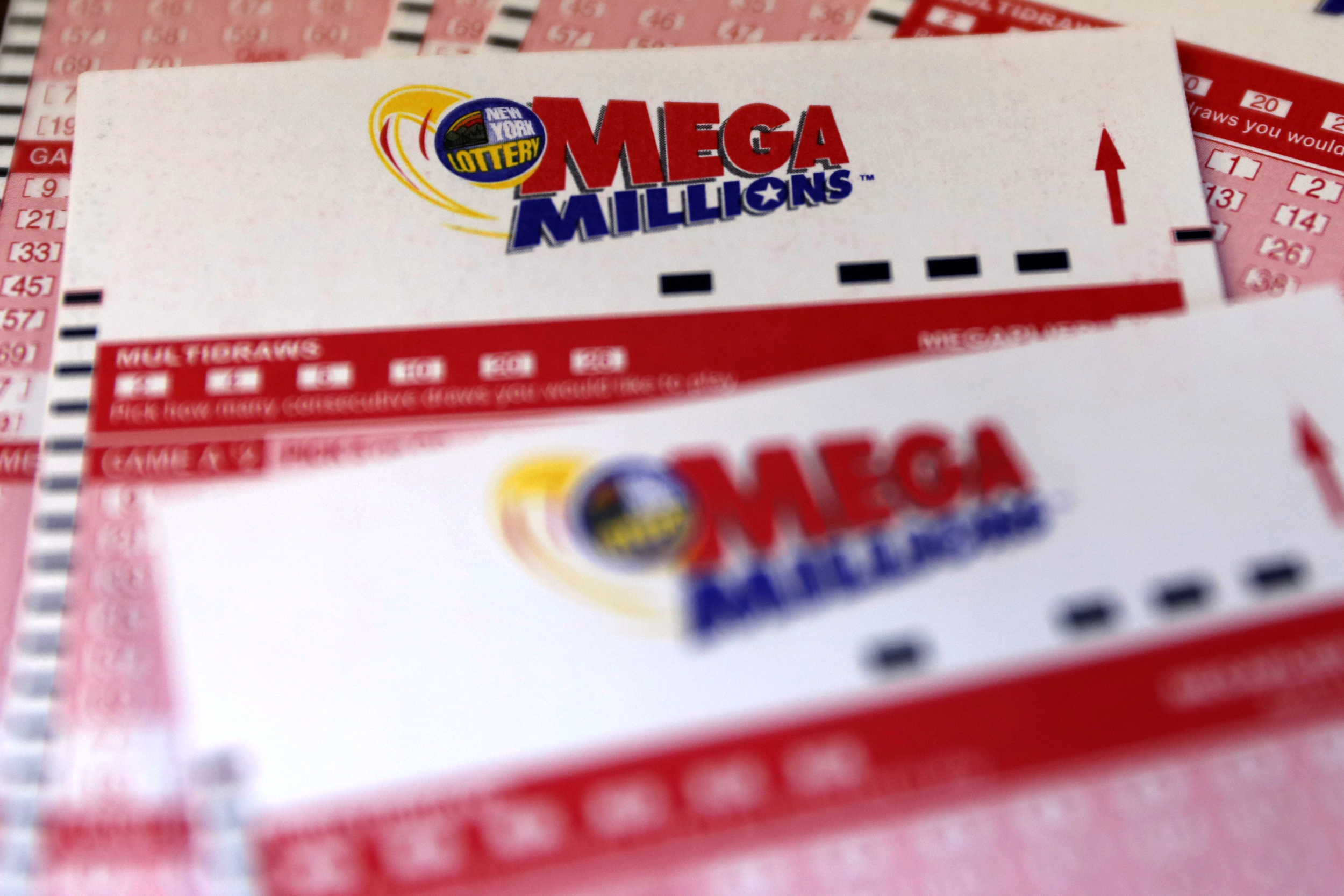 $432M Mega Millions ticket sold at N.Y.C. pizzeria