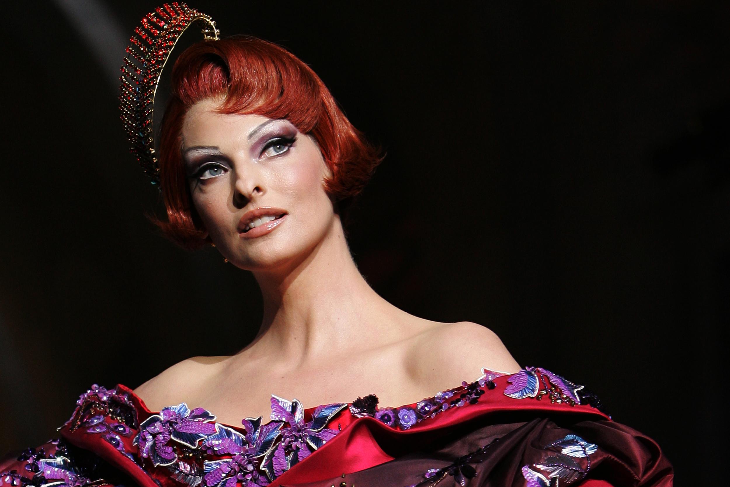 Supermodel Linda Evangelista sues CoolSculpting owner, alleges procedure disfigured her