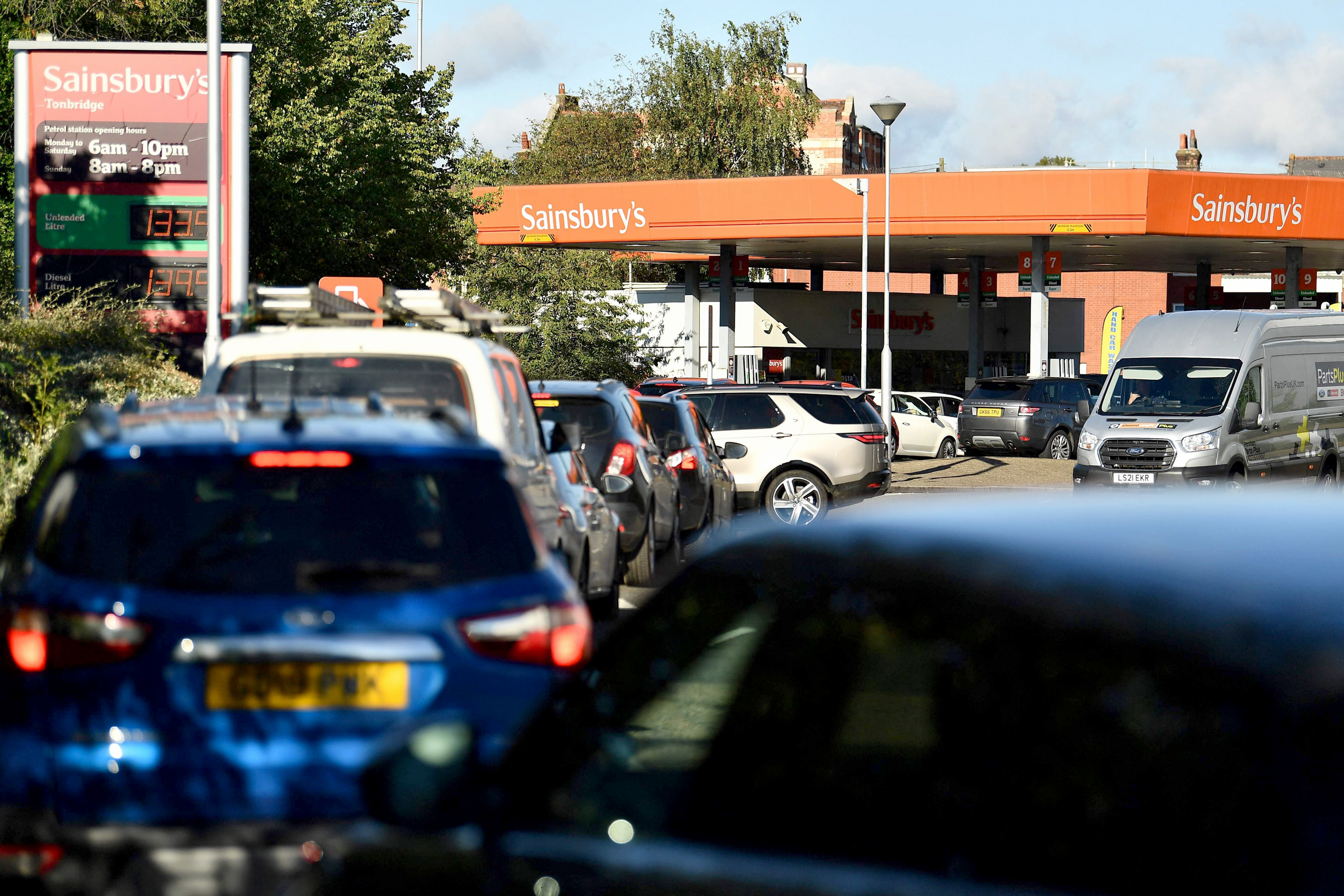 Britain urged not to panic as shortages close gas stations, threaten food supplies