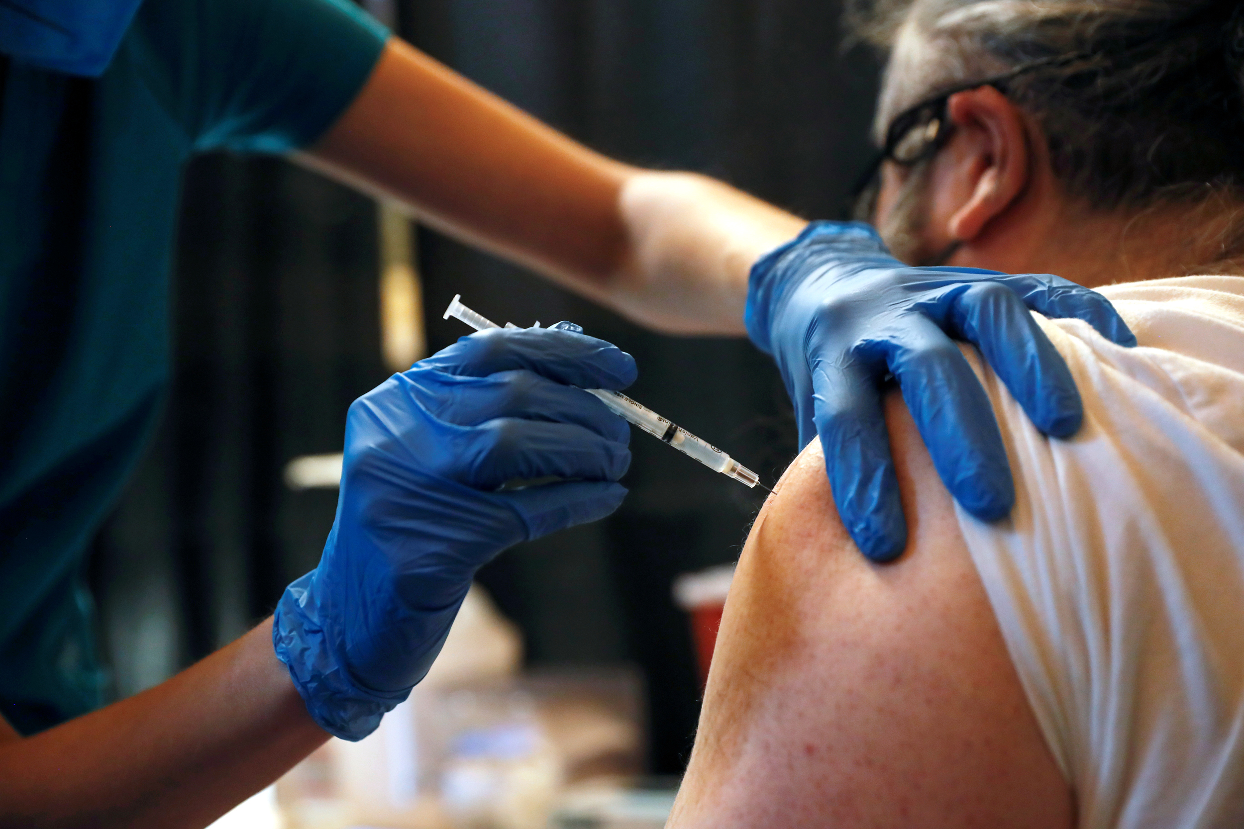 CDC director endorses Pfizer Covid vaccine booster shot