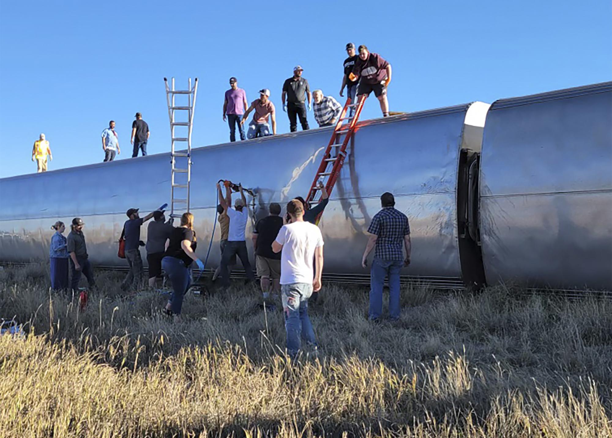 At least 3 dead in Montana Amtrak derailment
