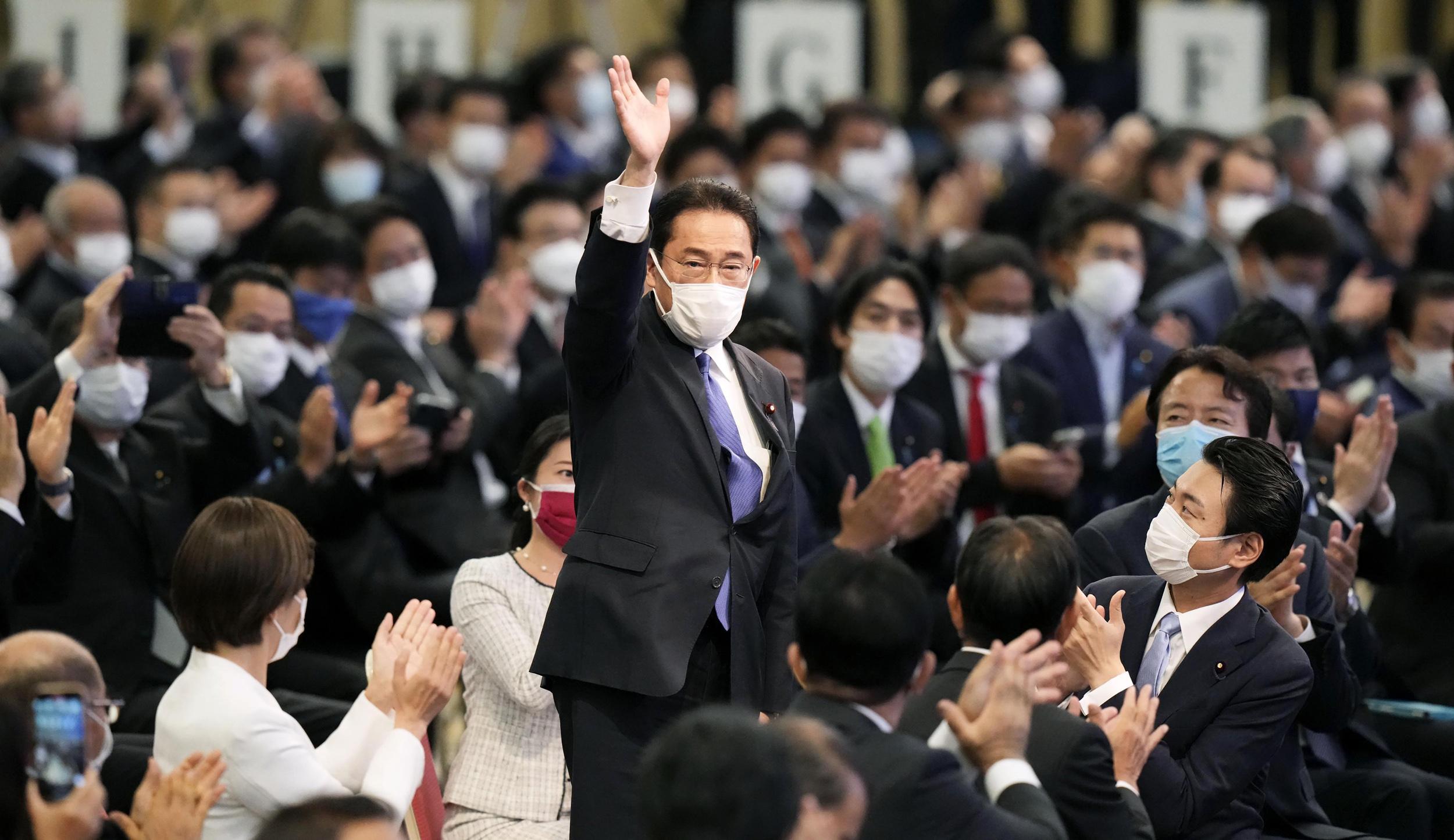 Japan's ruling party overlooks public favorite, picks establishment stalwart as next leader