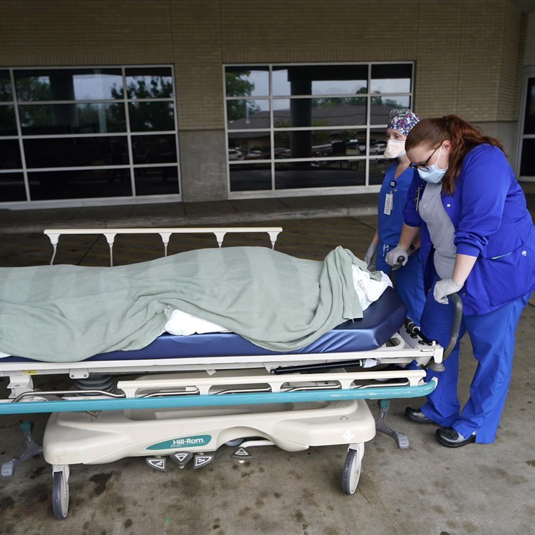 Tragic milestone as U.S. crosses 700,000 Covid death mark