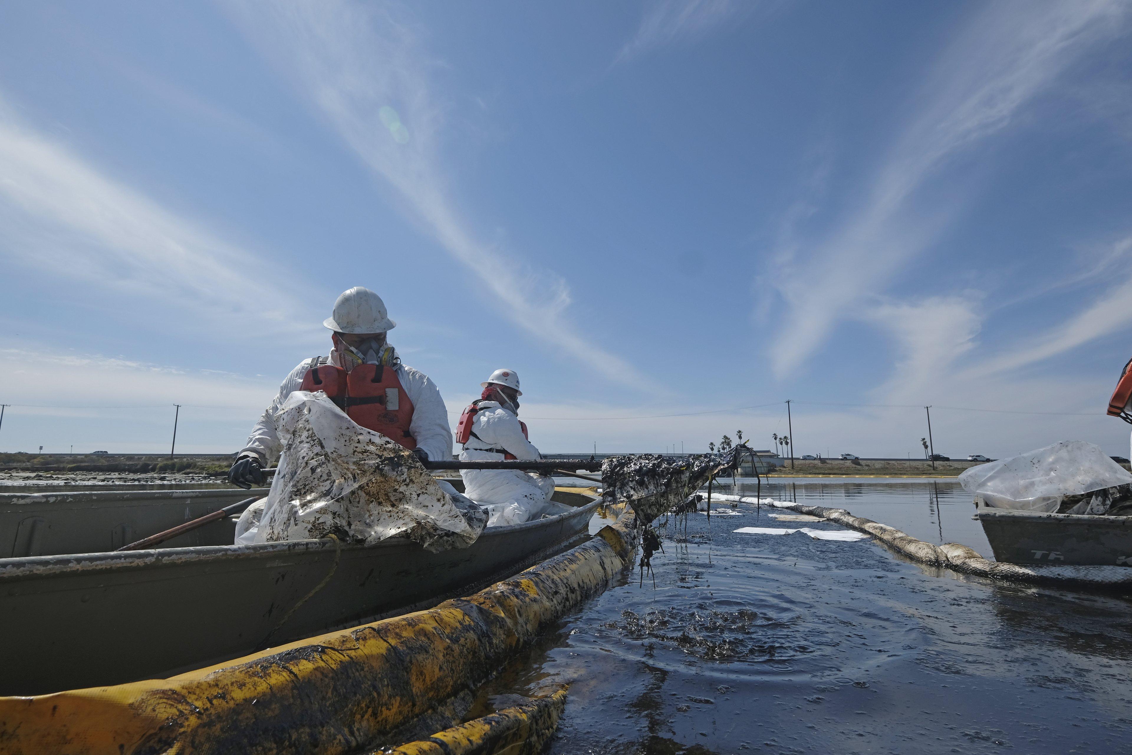 Massive oil spill off California closes beaches, kills wildlife