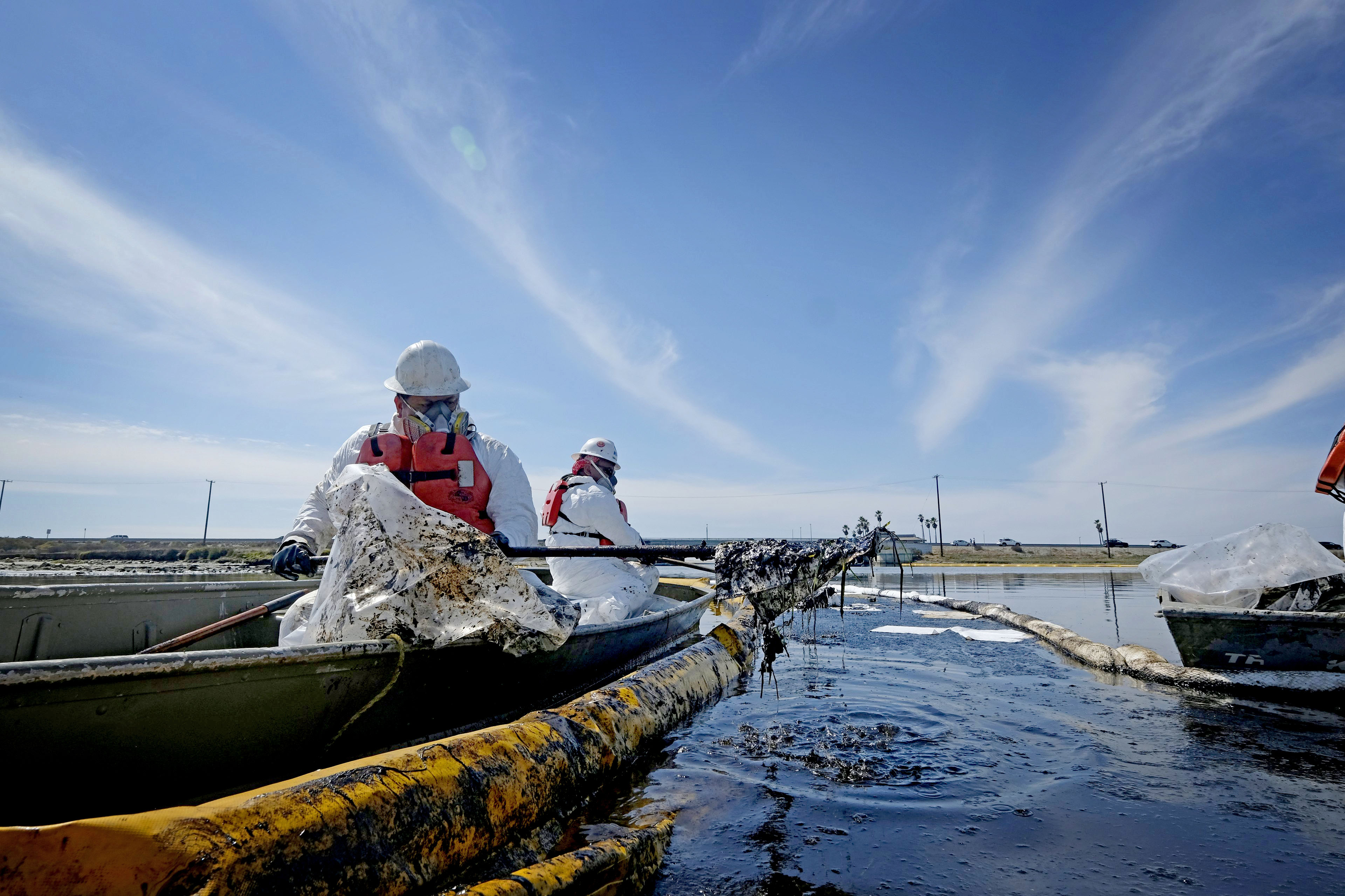 California pipeline shut down after 'worst case' scenario oil spill