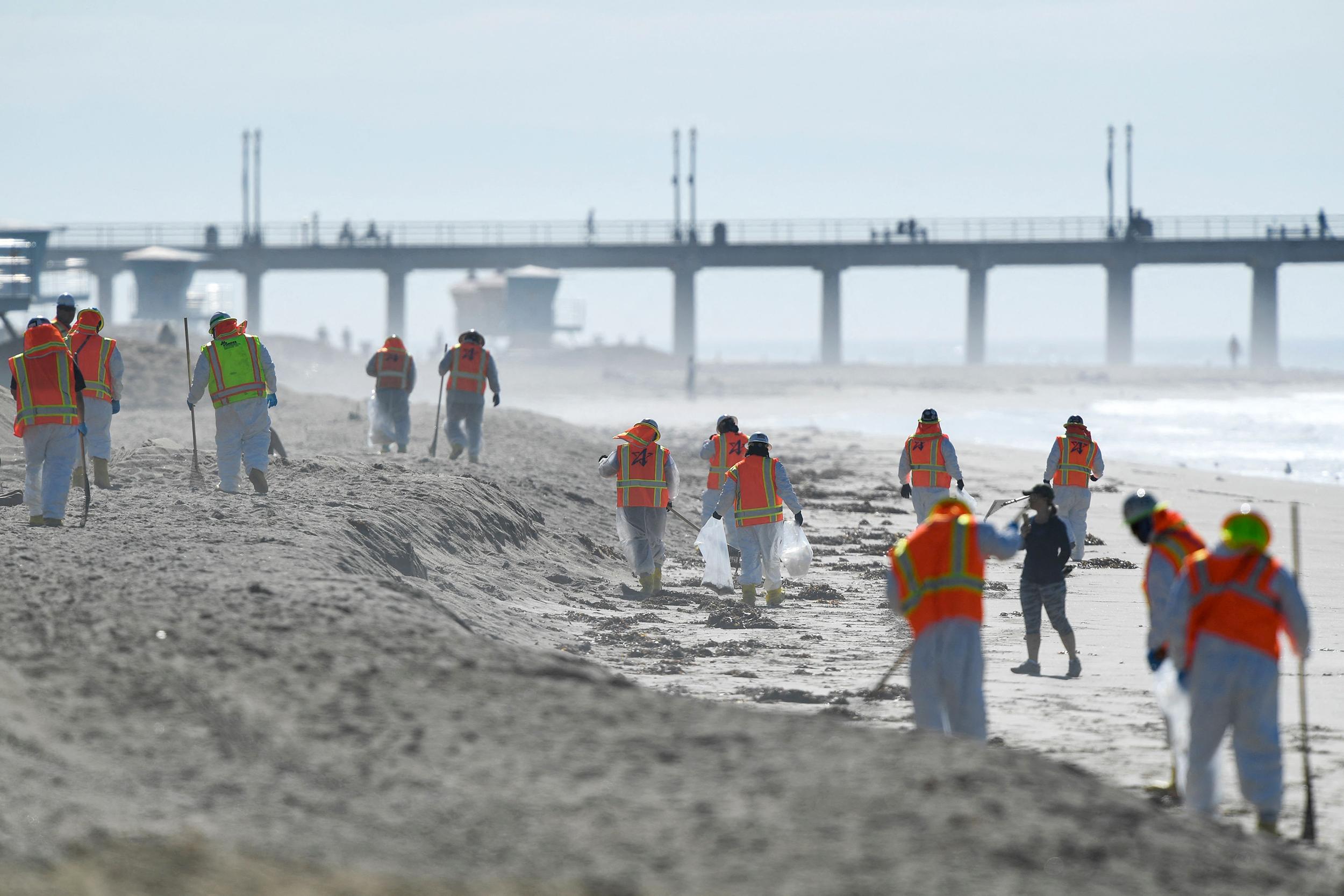 Operator in California oil spill didn't shut down for hours after leak alert, regulators say