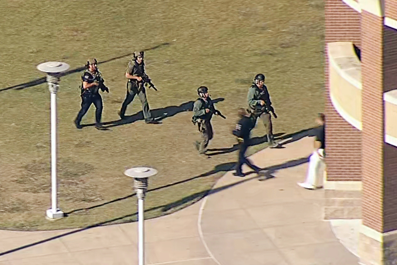 Police investigating shooting at Arlington, Texas, high school; multiple people wounded