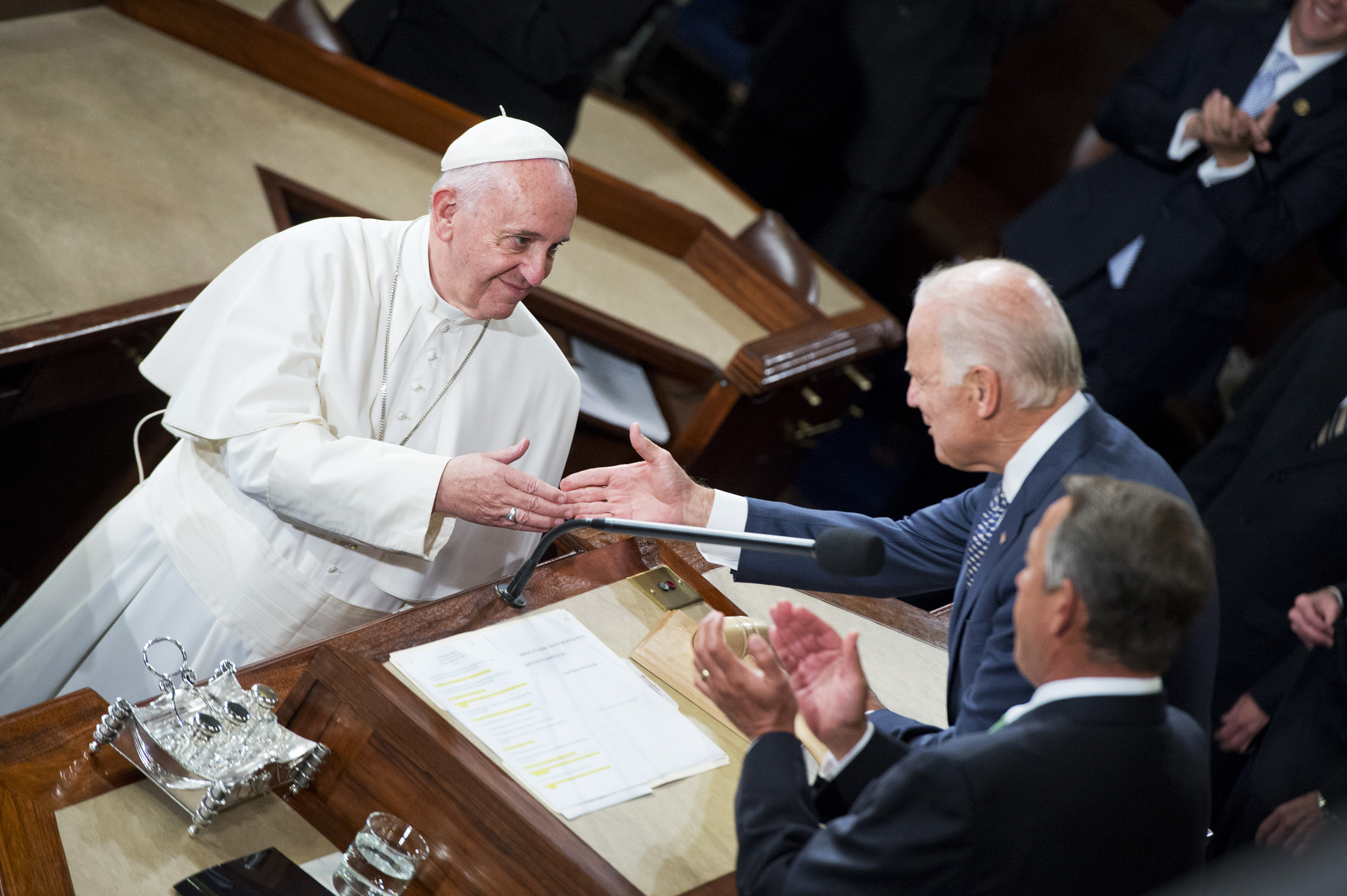 Biden-to-meet-the-pope-at-the-Vatican-this-month