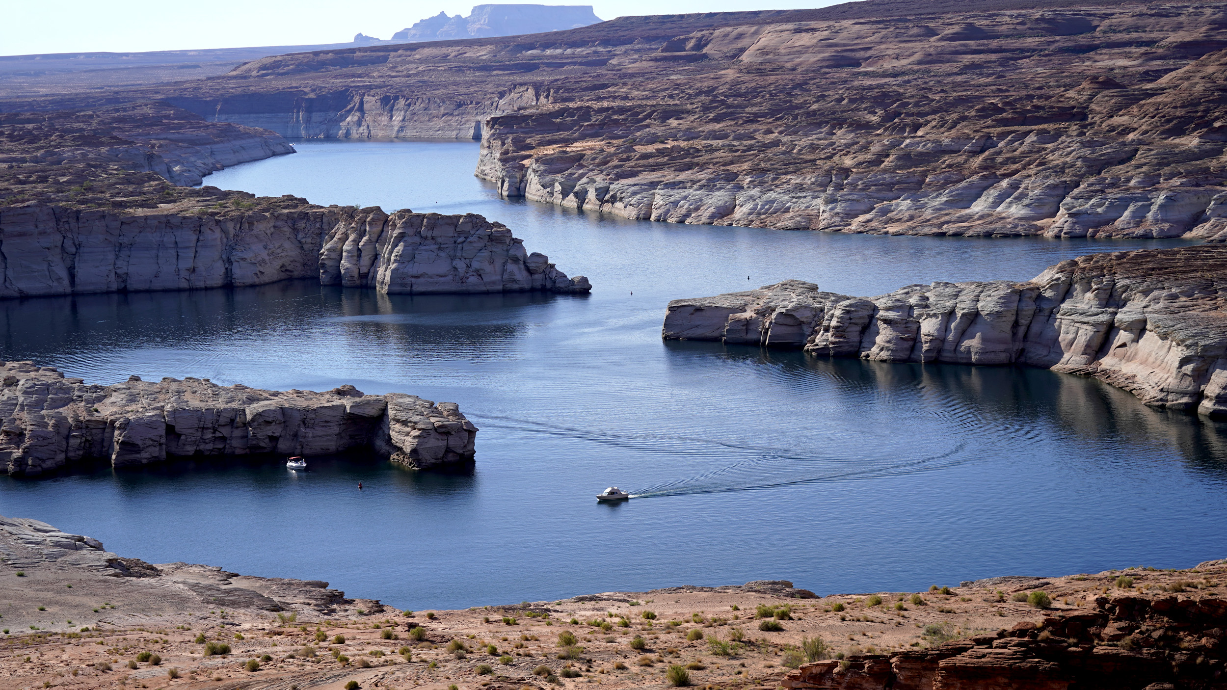 Lake Powell water level dips to historic low