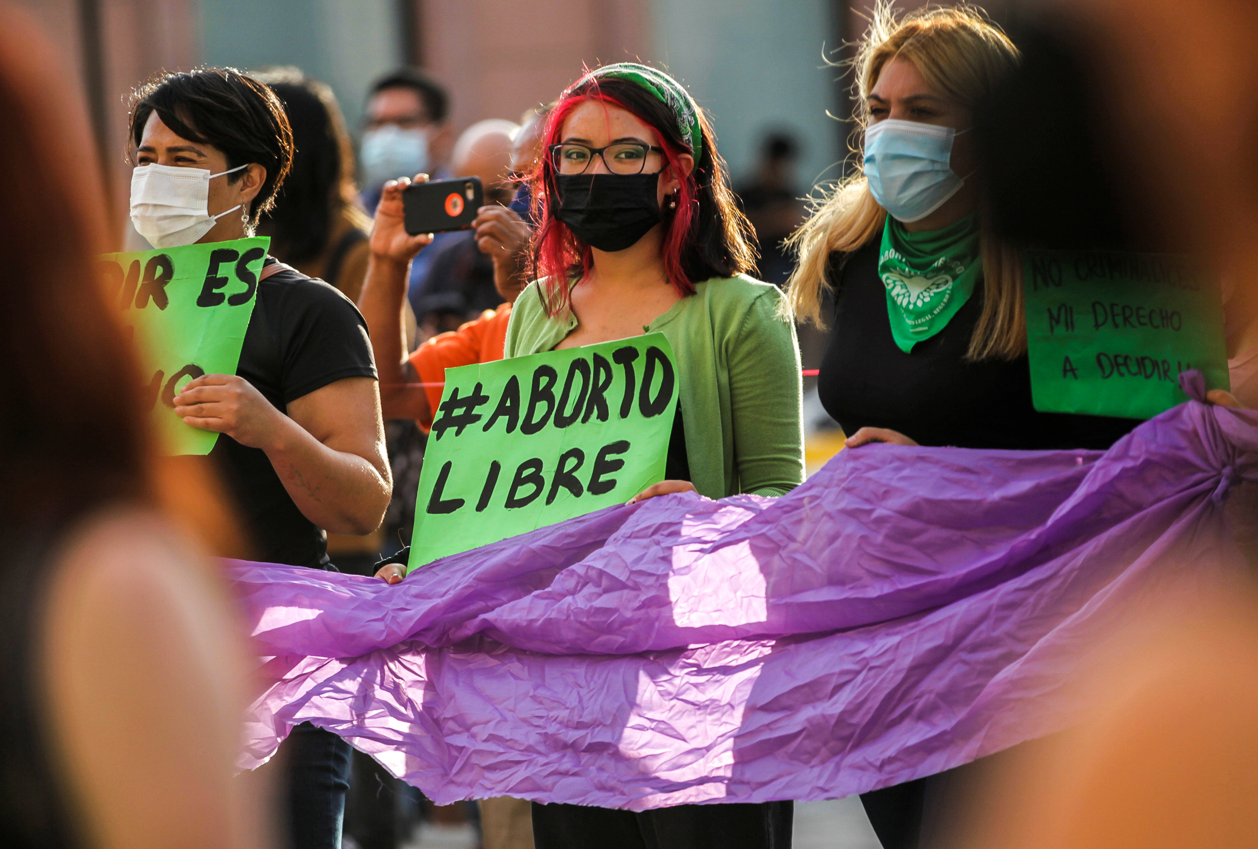 Experts: Mexico's 'milestone' abortion decriminalization is regional game changer