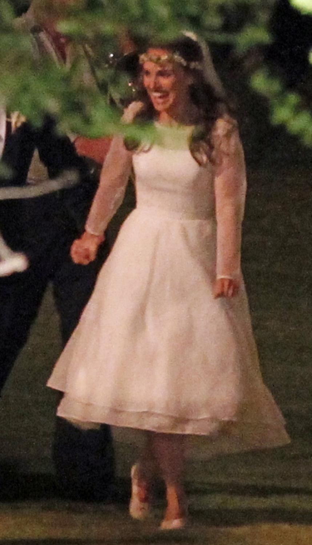 Natalie Portman\'s short and sweet wedding dress
