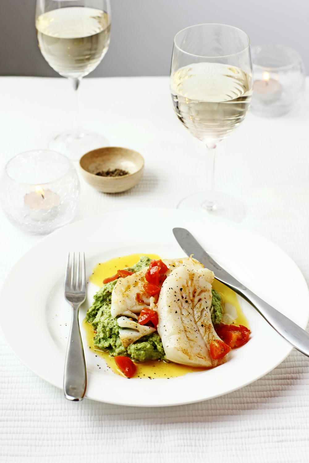 Weekend wines pair light delicious portuguese whites for White wine with fish