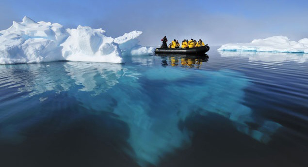 Image: Arctic cruise by Quark Expeditions