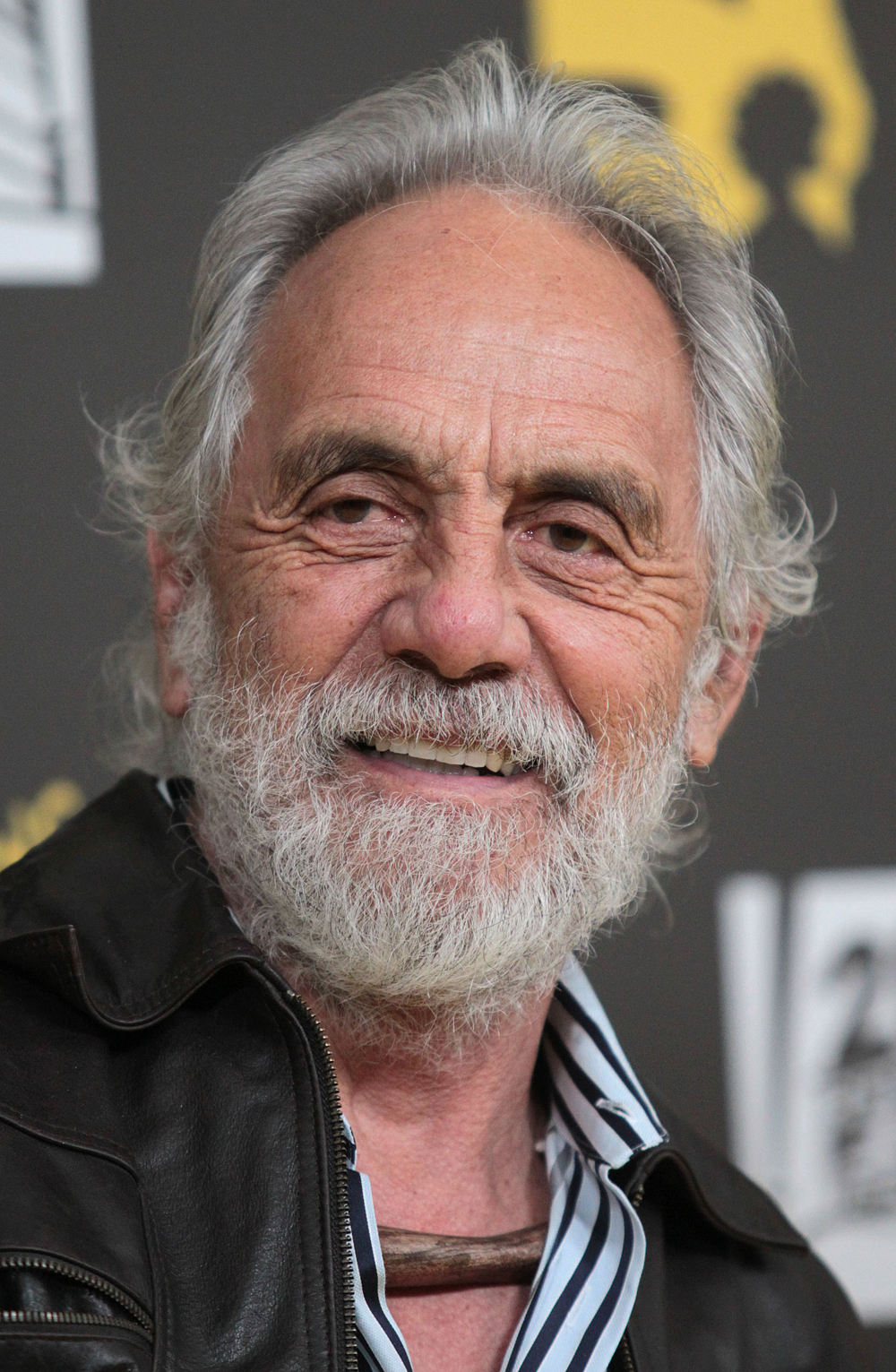 Tommy Chong is defending his daughter Rae Dawn telling TMZ she was just being honest when she said Oprah would have been a field Nword back in the