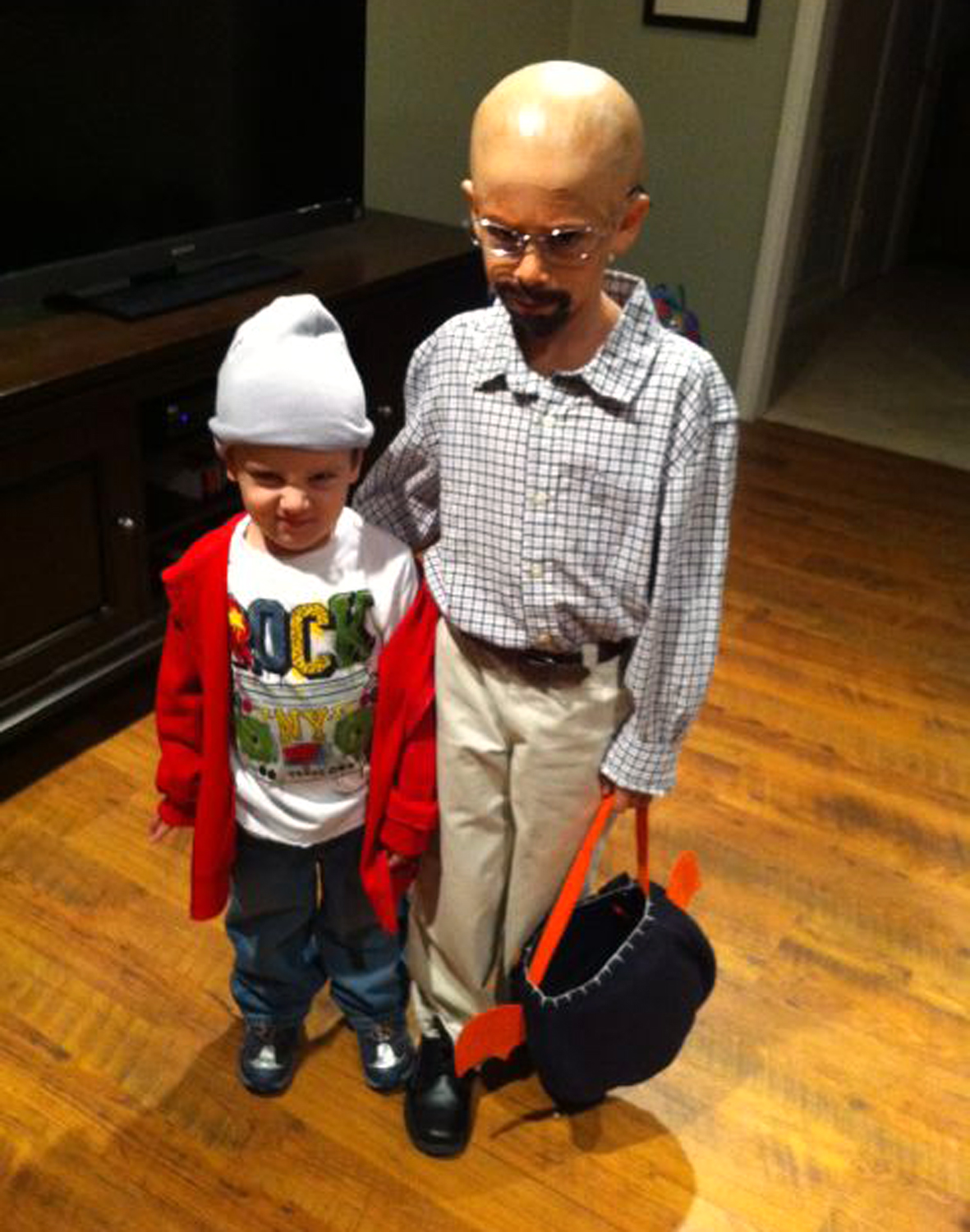 Mini 'Breaking Bad'! Dad dreams up TV-inspired Halloween costumes ...