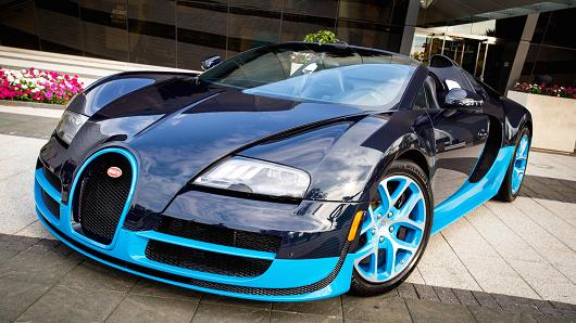 CNBC's Robert Frank test drives the $2.3 million Bugatti Veyron 16.4 Grand Sport Vitesse, the fastest production roadster on the planet.