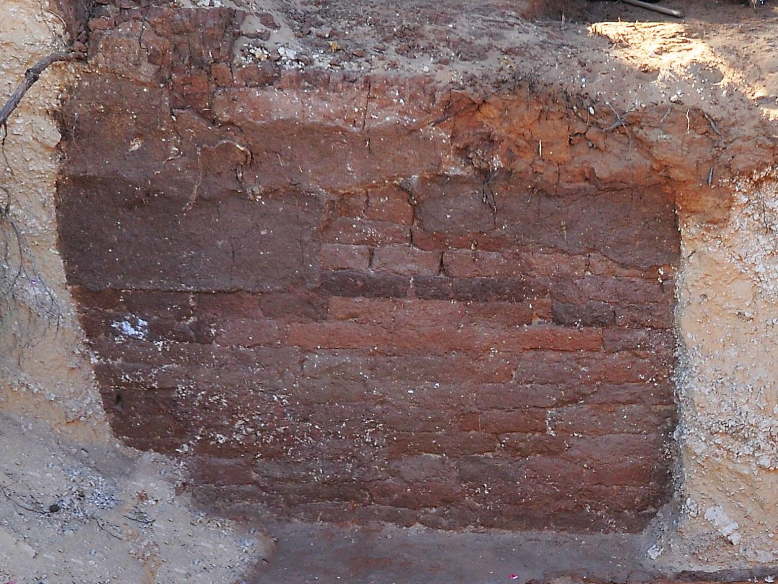 Image: Brick wall