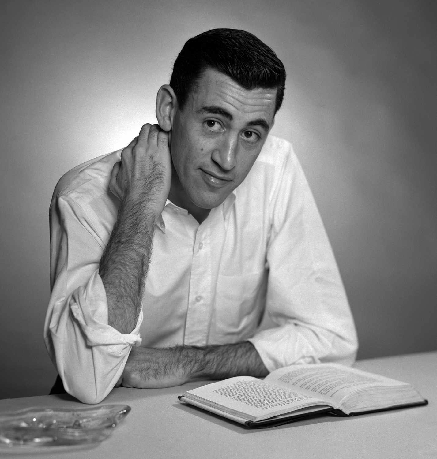 New biography claims more Salinger books will be released ...