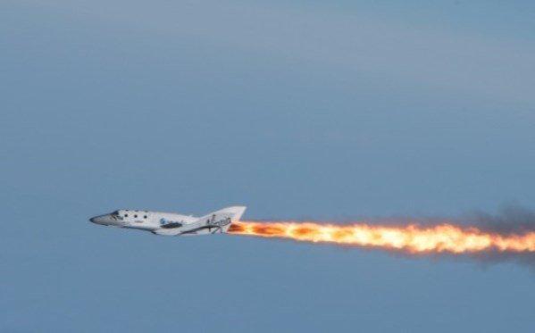 Image: SpaceShipTwo flight