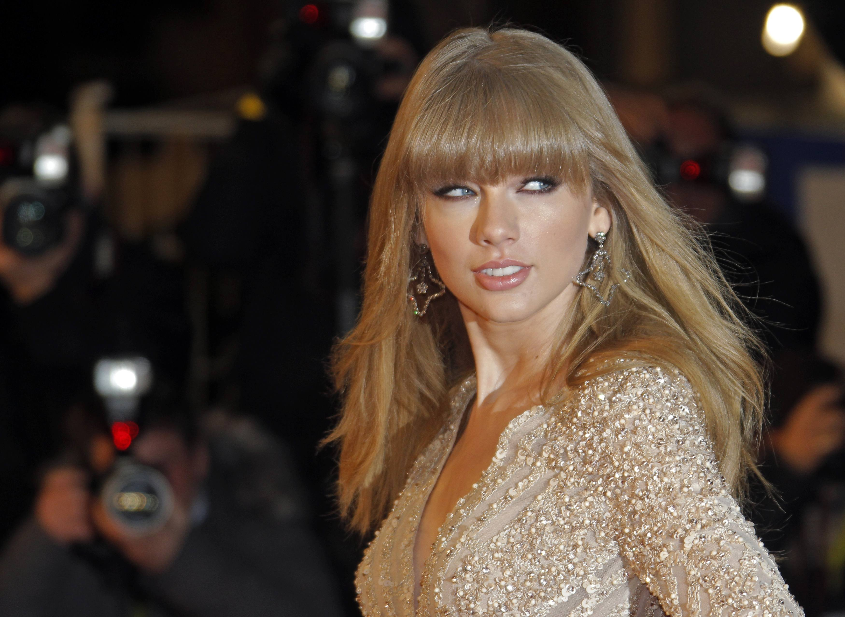 Taylor Swift Sex Tape Is Facebook Scam