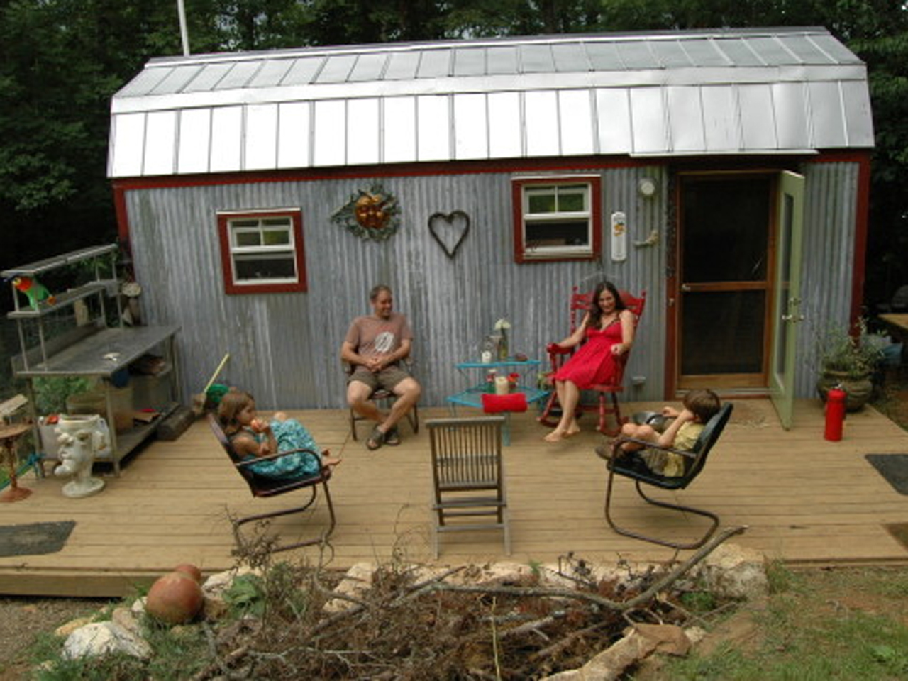 Tiny houses big lives how families make small spaces work in real life - Landscaping for small spaces gallery ...