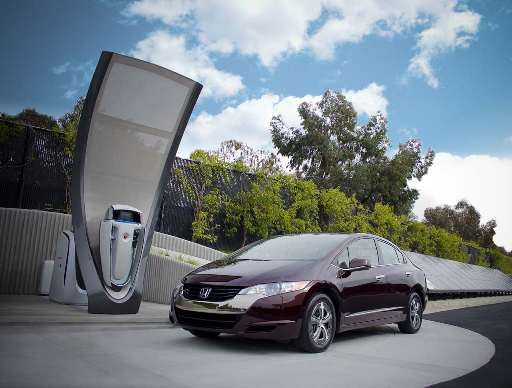 Image: Honda FCX Clarity fuel-cell vehicle