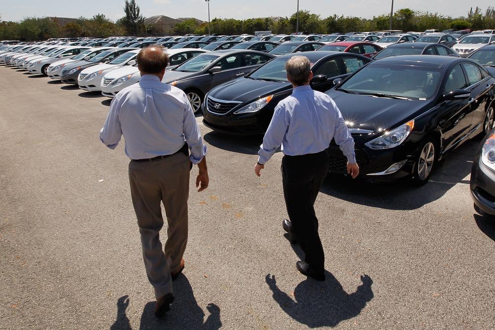 Image: Car dealer