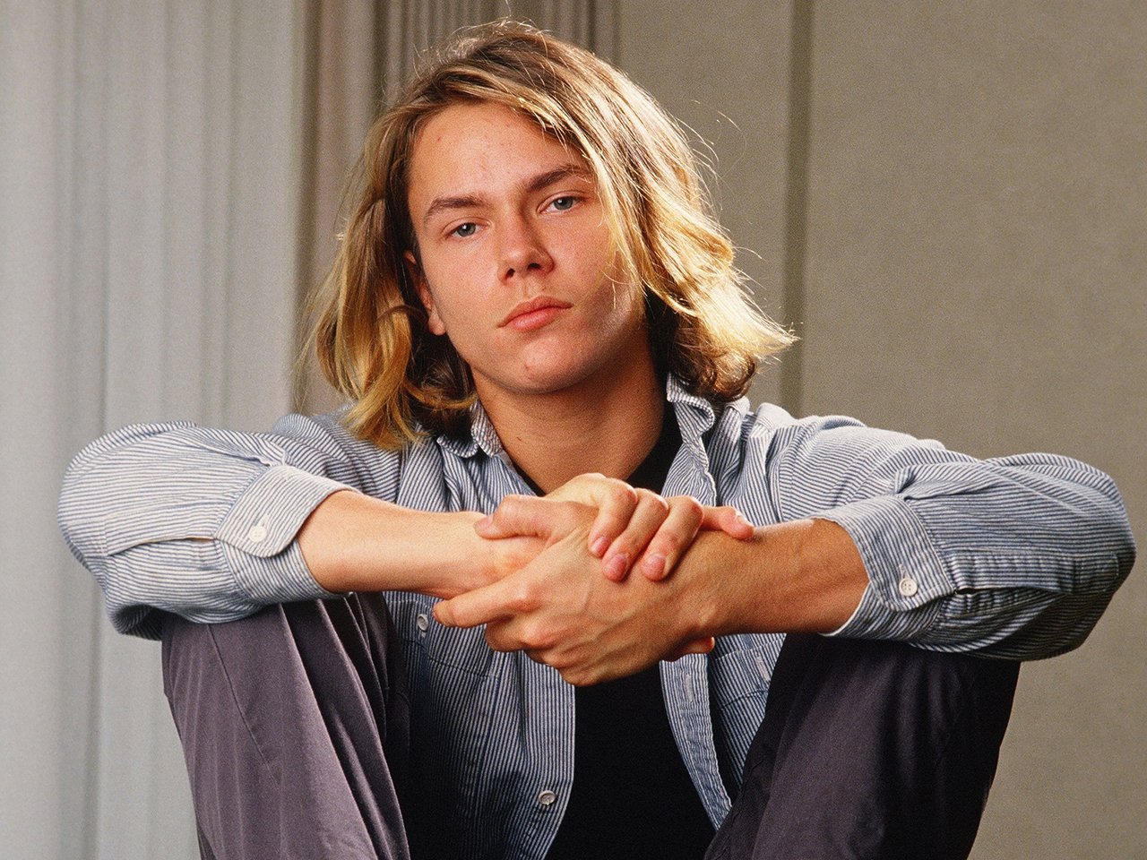 Remembering river phoenix and other stars who died too for Today s interiors phoenix