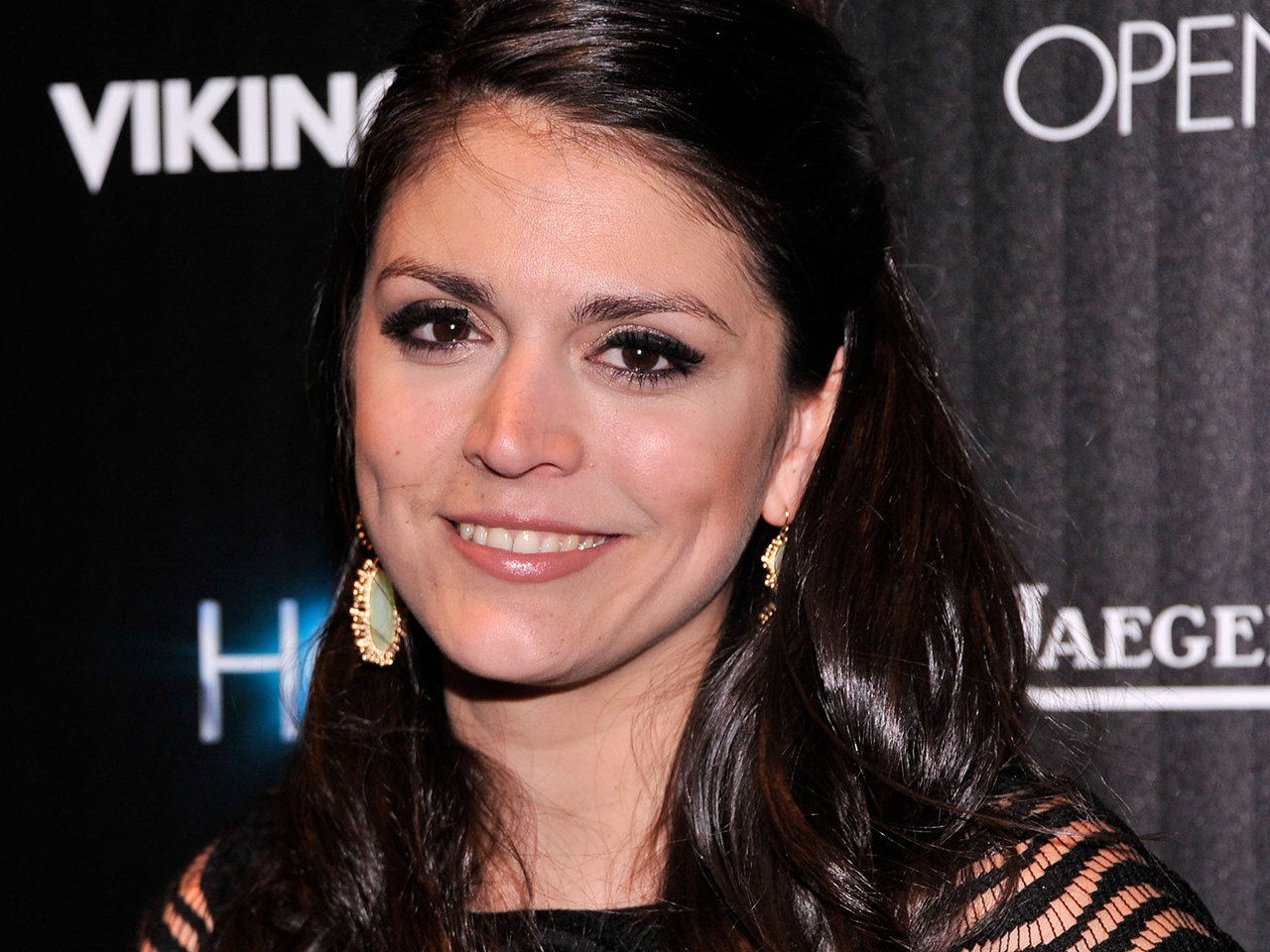 Saturday Night Live Adds Six To Cast Names Cecily