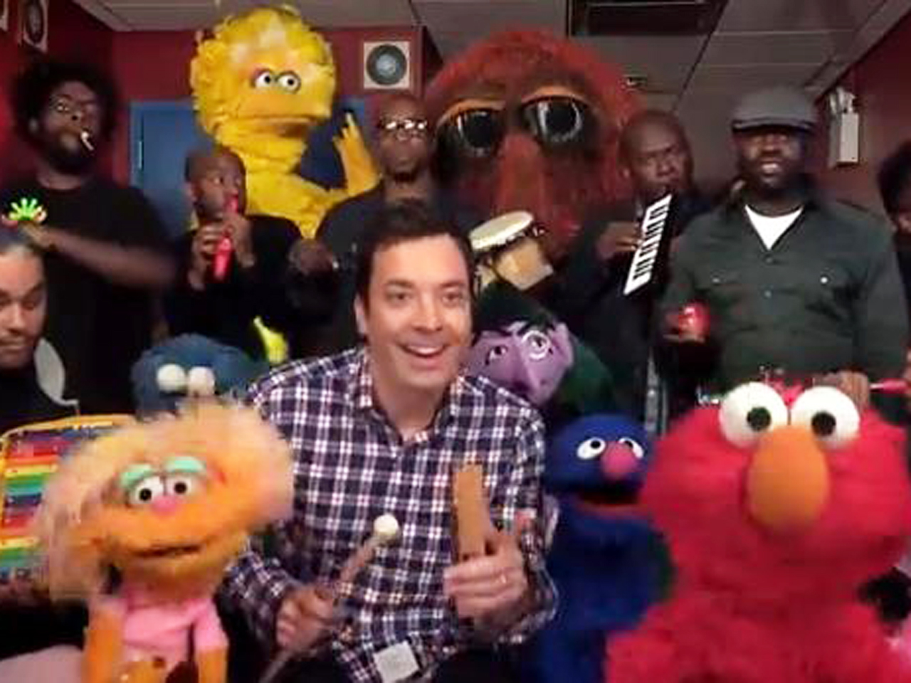 Image: Jimmy Fallon and Muppets