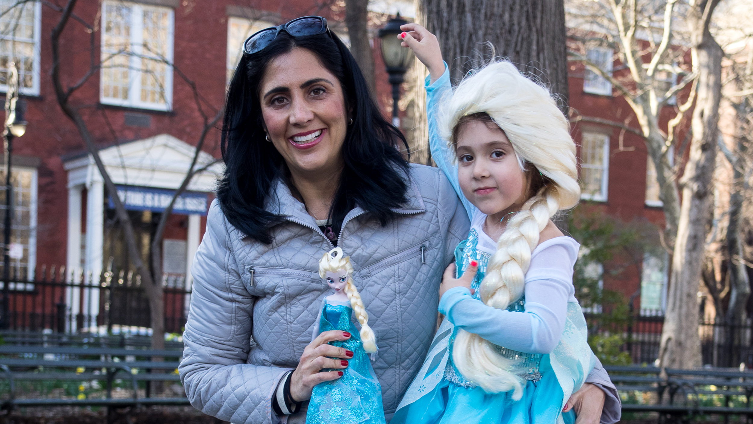 The dress from frozen -  Frozen Out Of The Market Desperate Parents Pay Thousands For Elsa Dresses Today Com