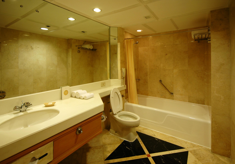 2d274905740907 Today Bathroom 140430 Jpg