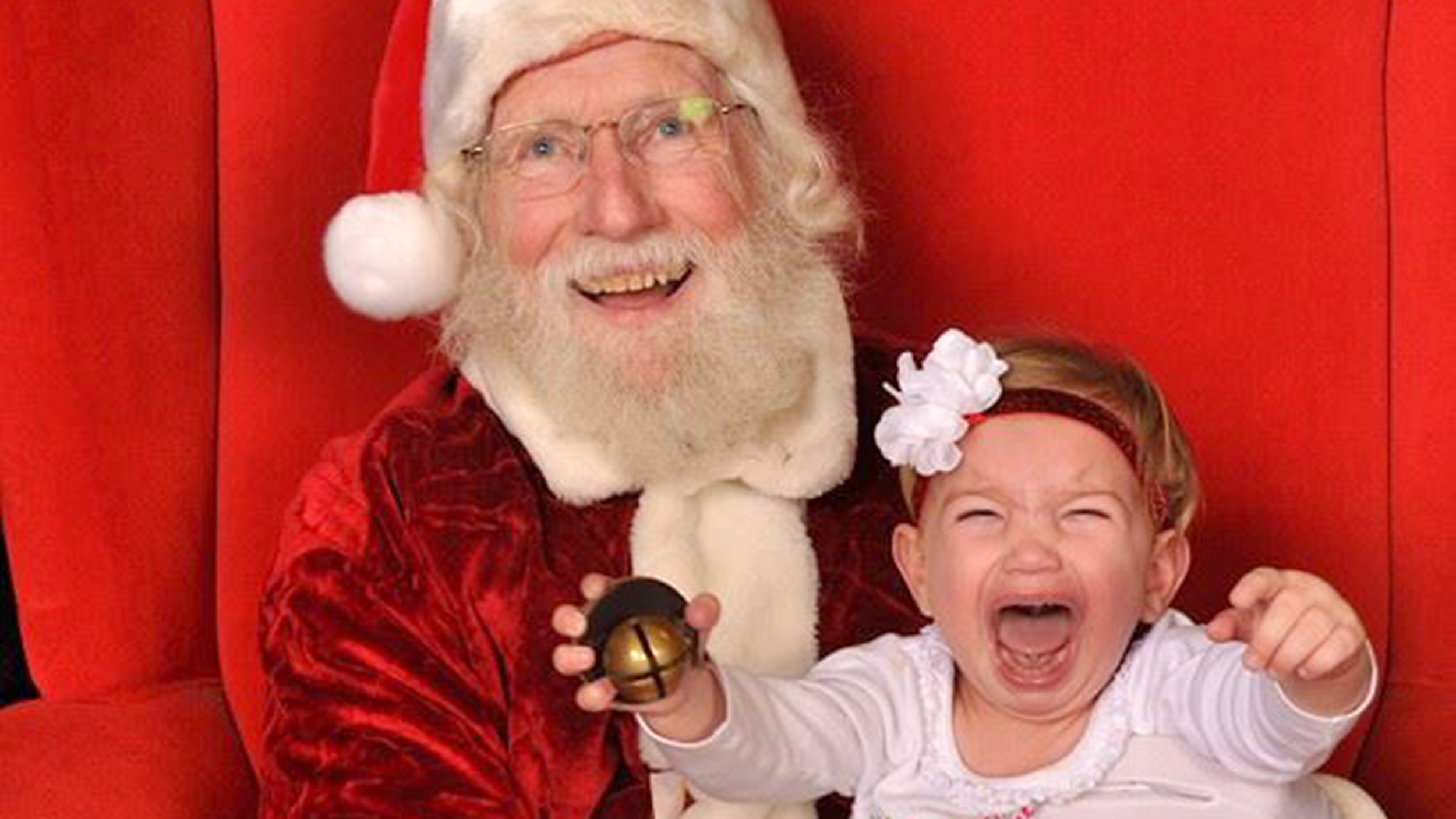 Kids scared of santa 15 photos of hilarious ho ho horror