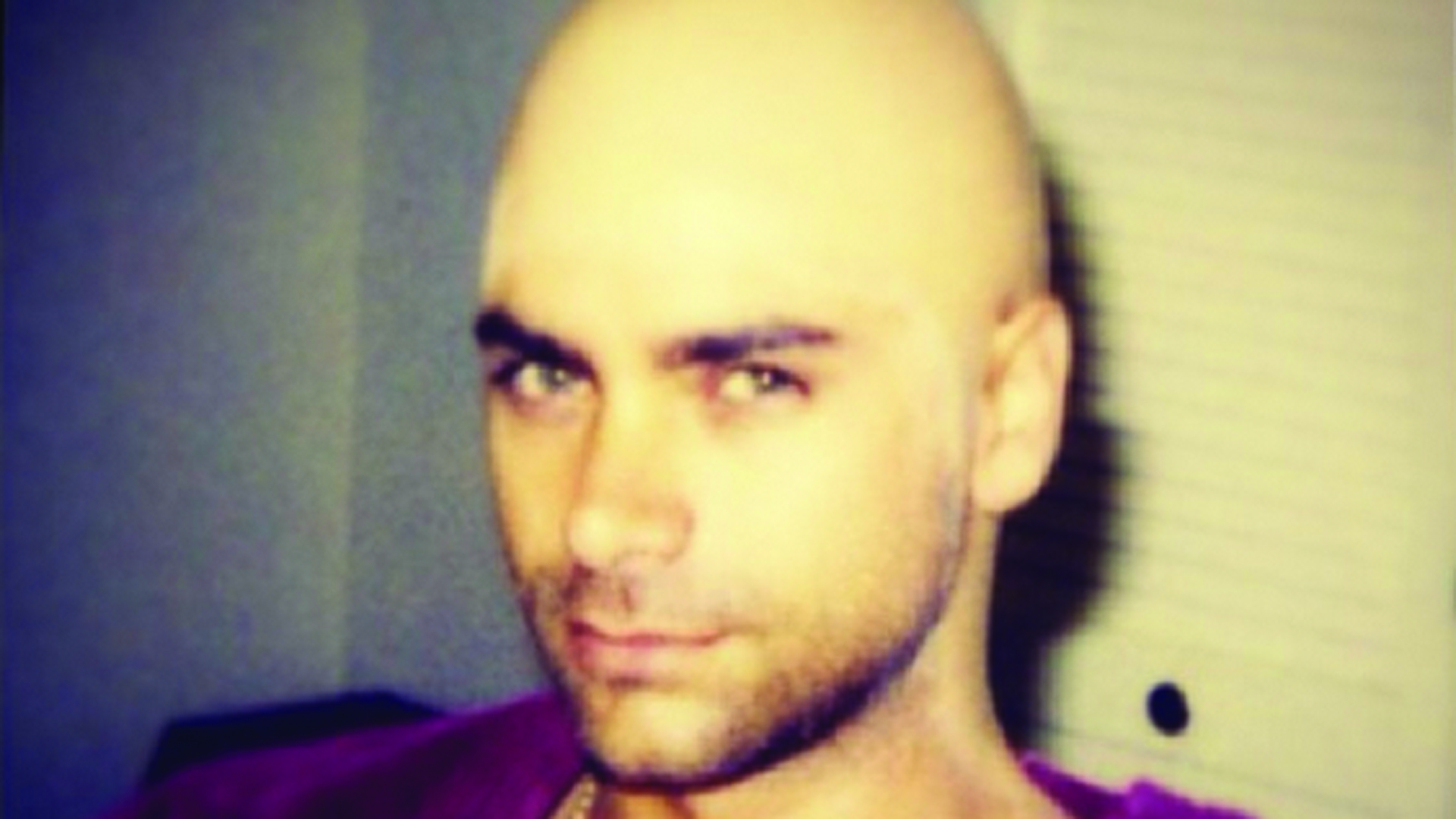 John Stamos Shows Off A Smooth Bald Look