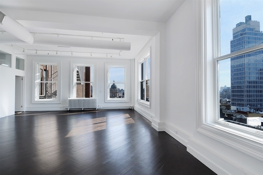 Kristen Wiig Lists Ny Apartment Today