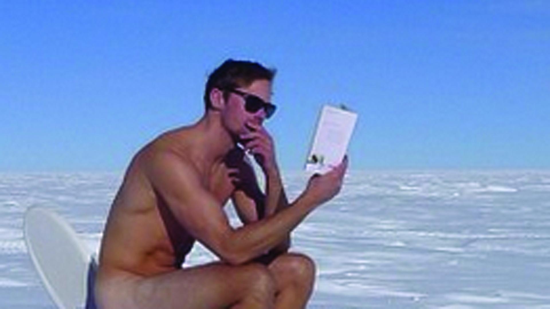 Alexander Skarsgard Naked 10
