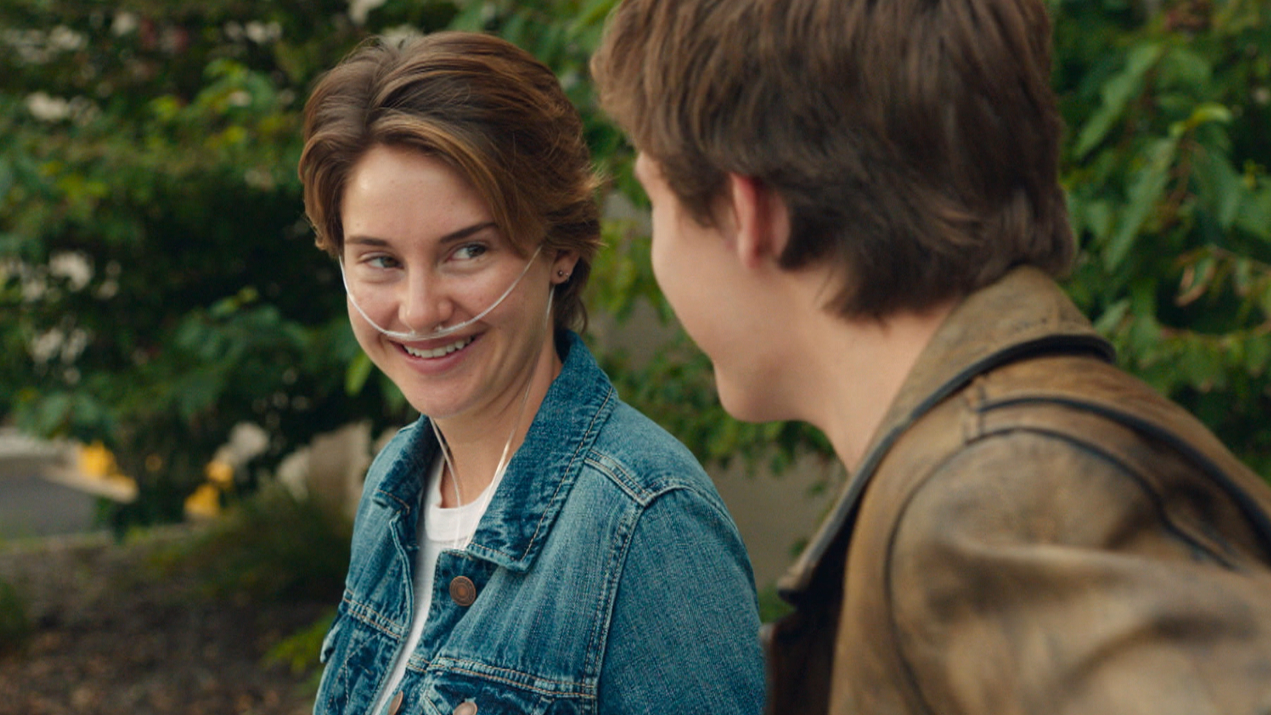Shailene Woodley and Ansel Elgort in