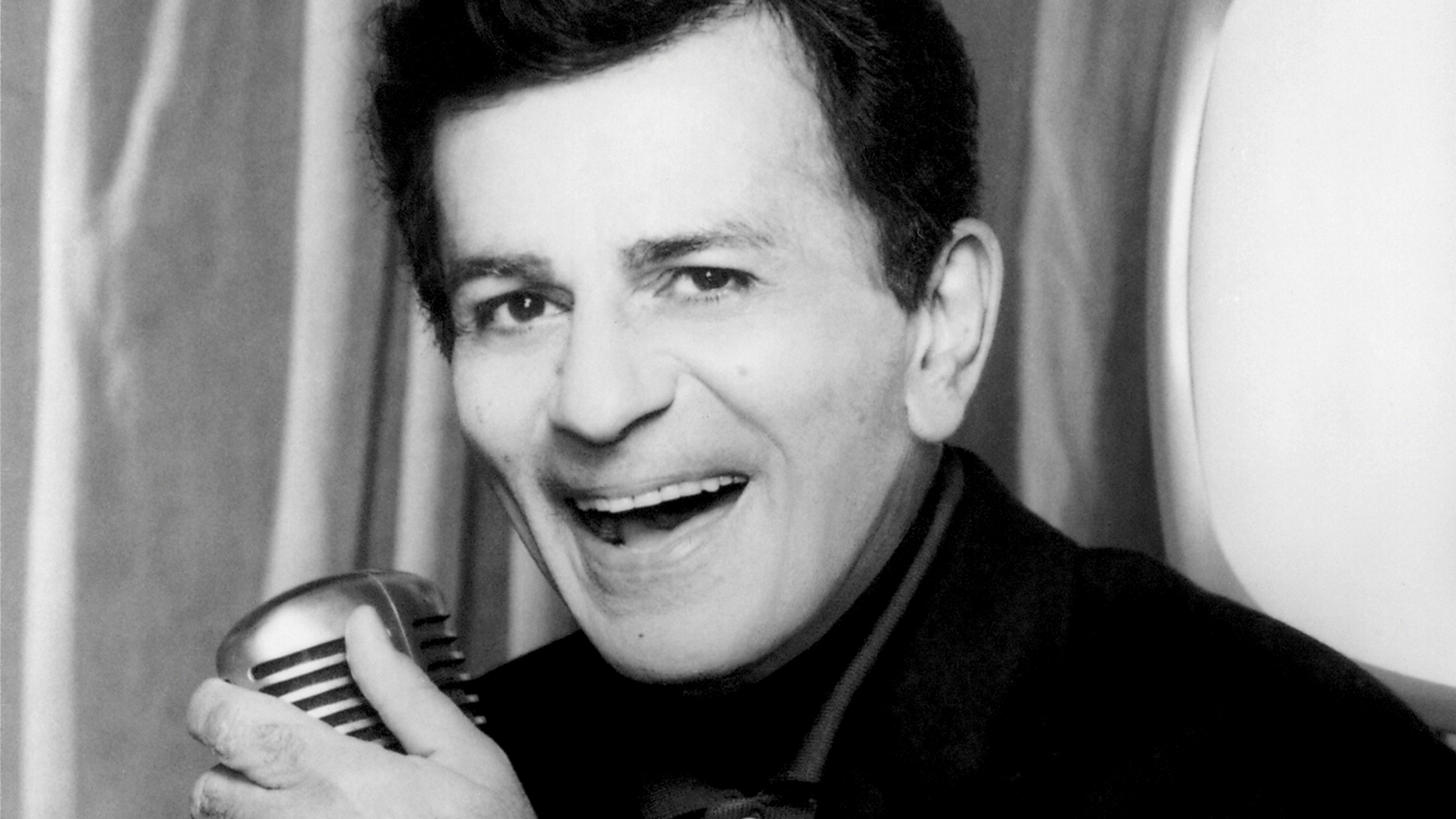 Casey Kasem s American Top 40 reached for the stars